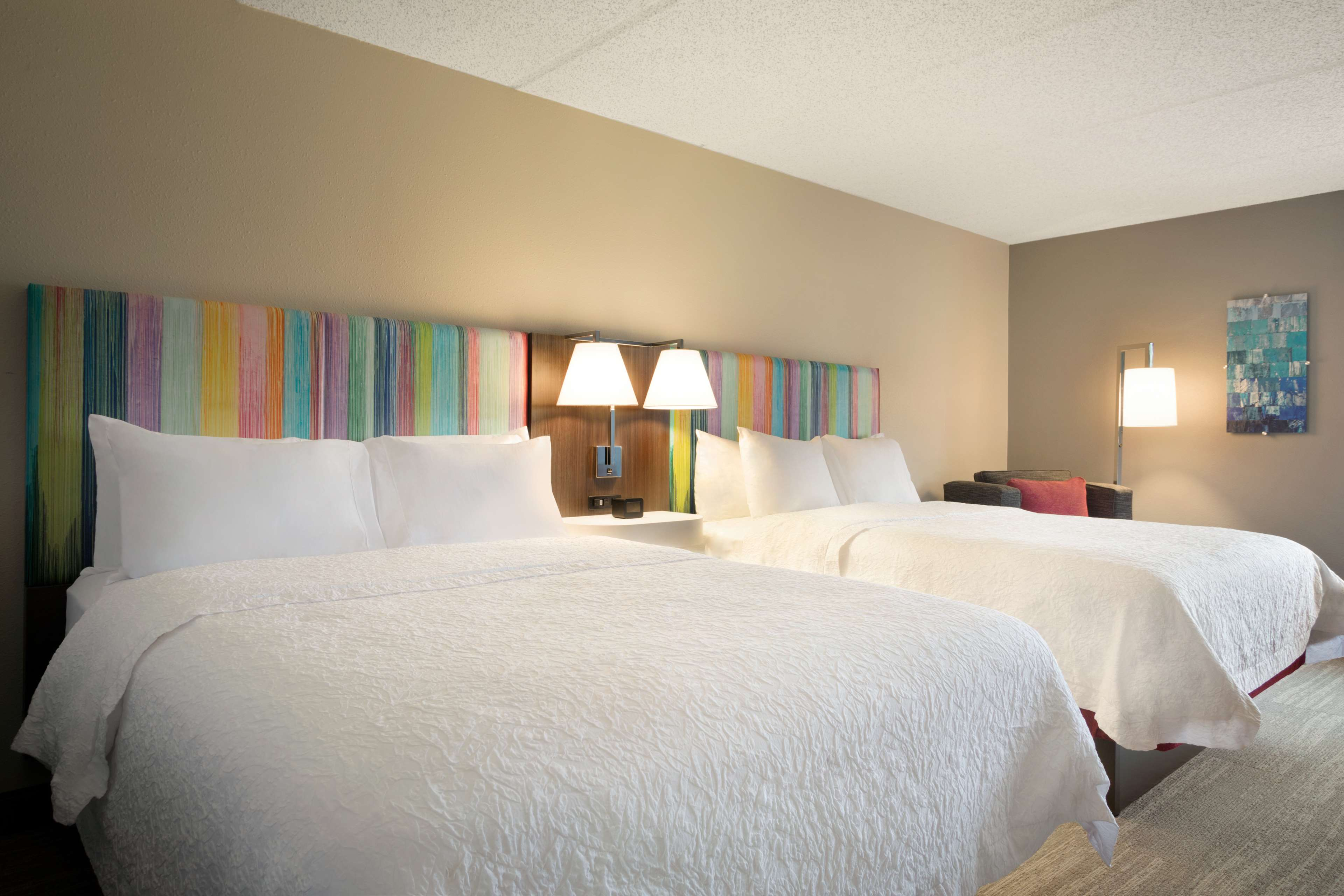 Hampton Inn Houston-Brookhollow image 16