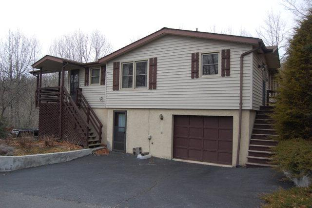 Great buy in private setting!  2 Bedroom/2 bath with separate office area on 3 lots.  Listed at $129,900.  For more information on this or any of our listings please all us at 800-521-3712 or visit ou