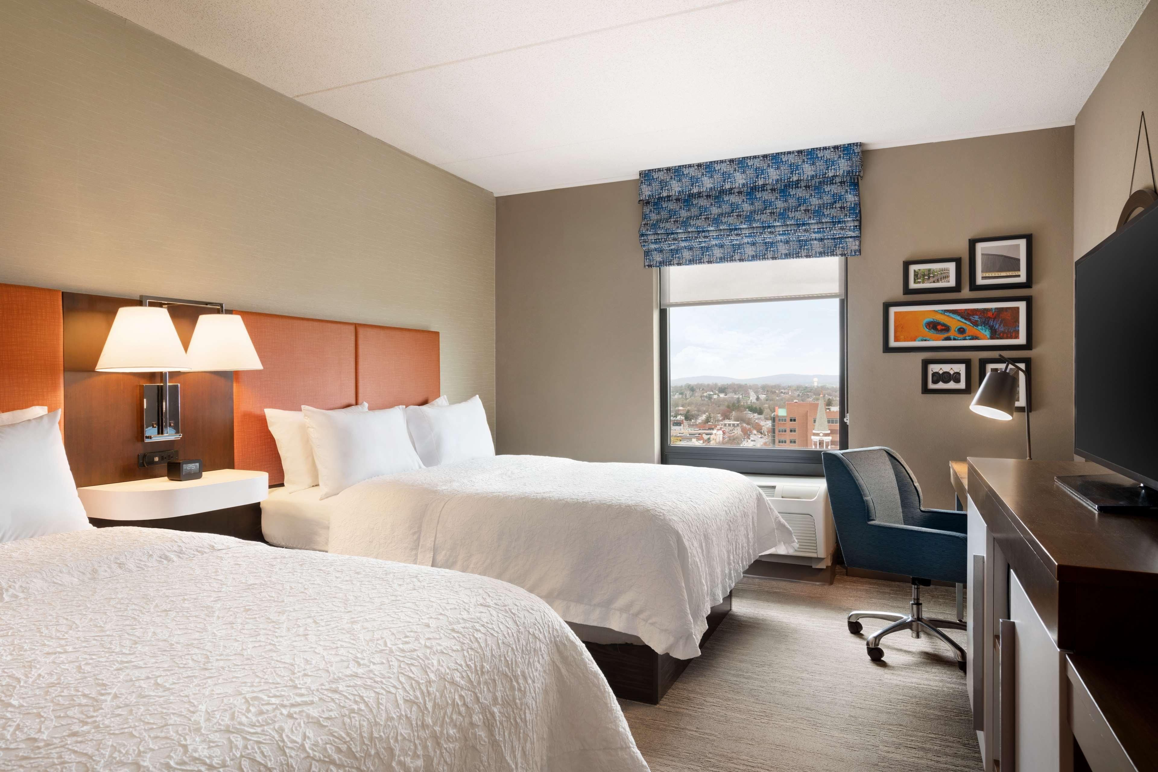 Hampton Inn & Suites Ephrata - Mountain Springs image 22