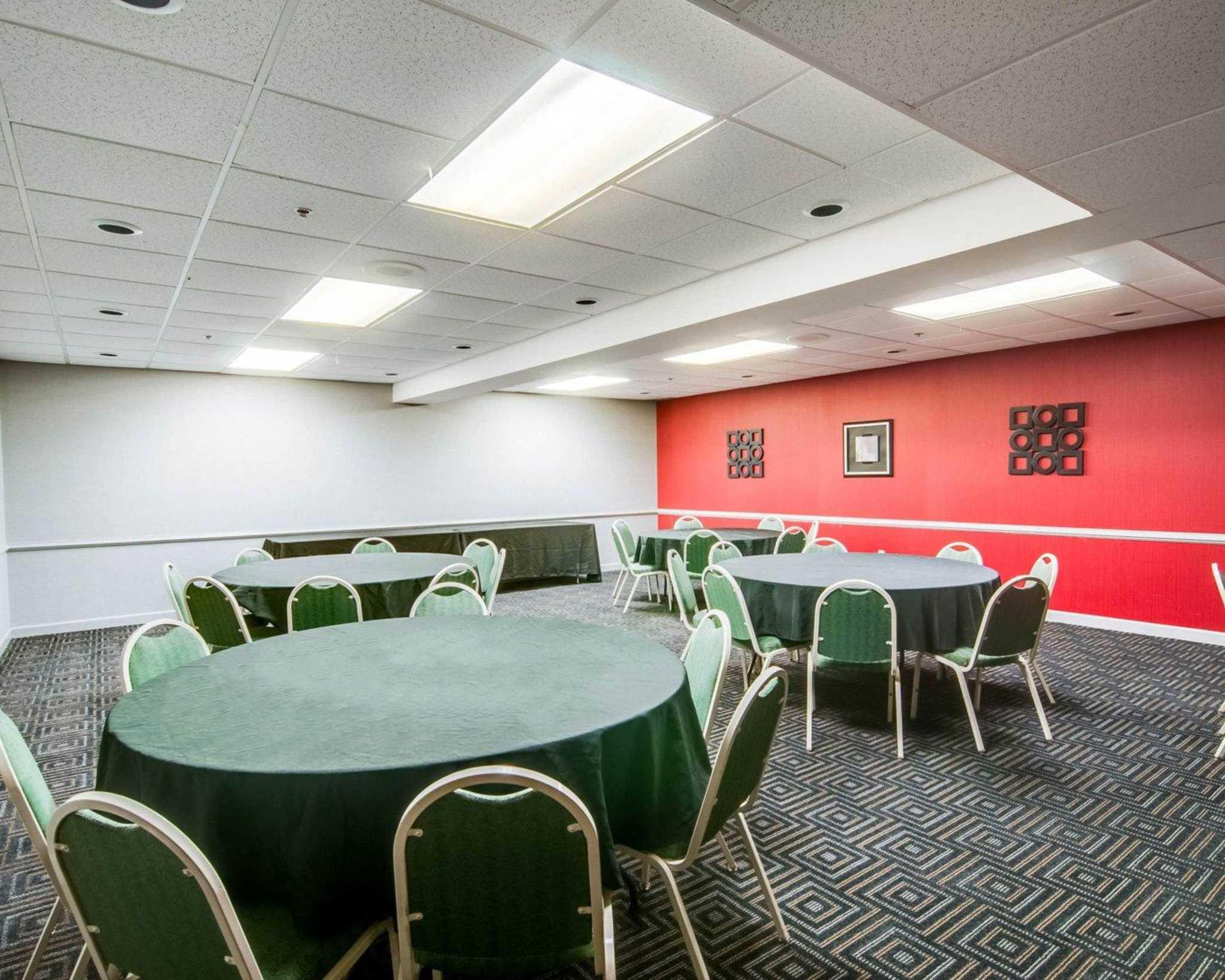 Comfort Suites Inn at Ridgewood Farm image 16