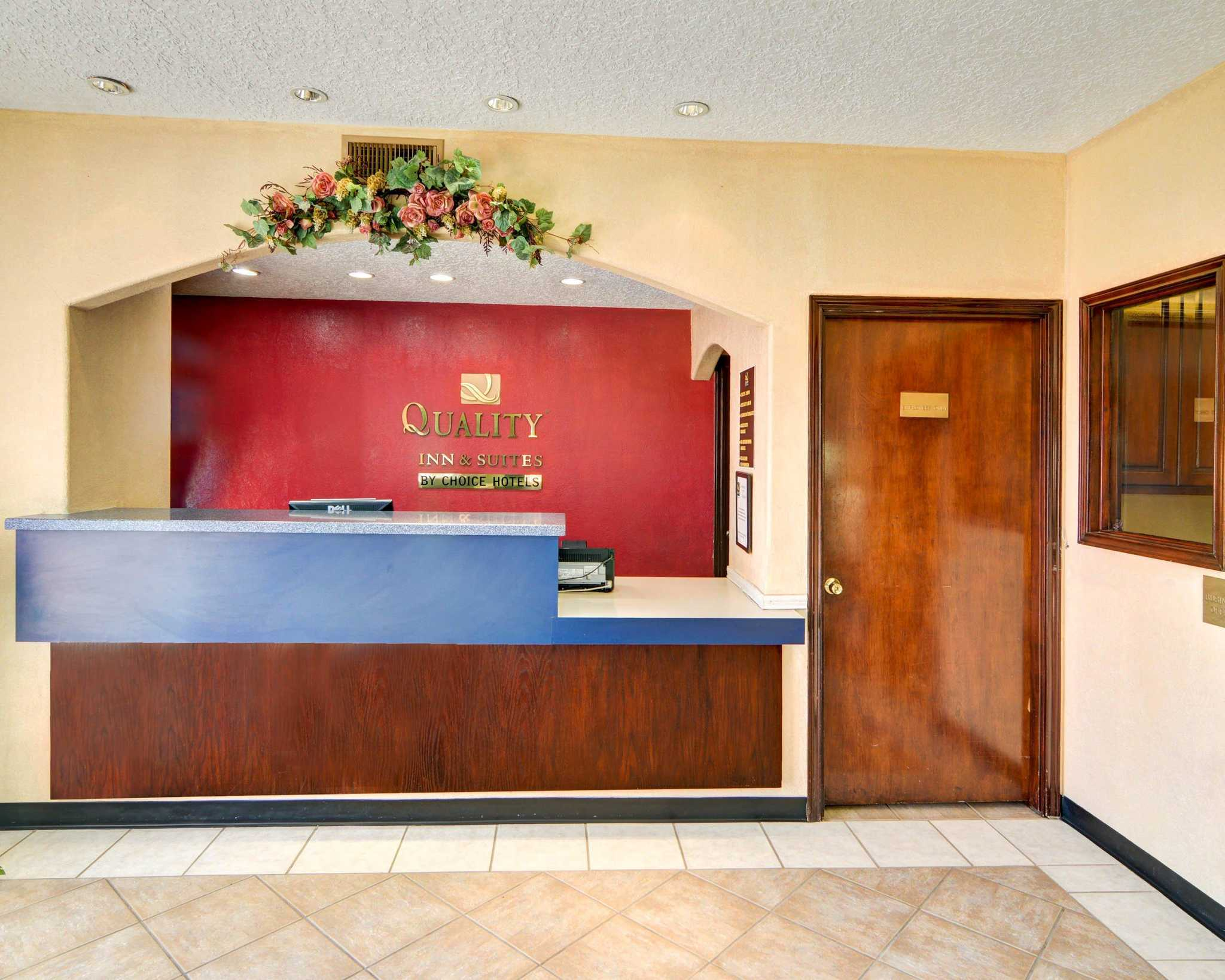 Quality Inn & Suites Canton image 12