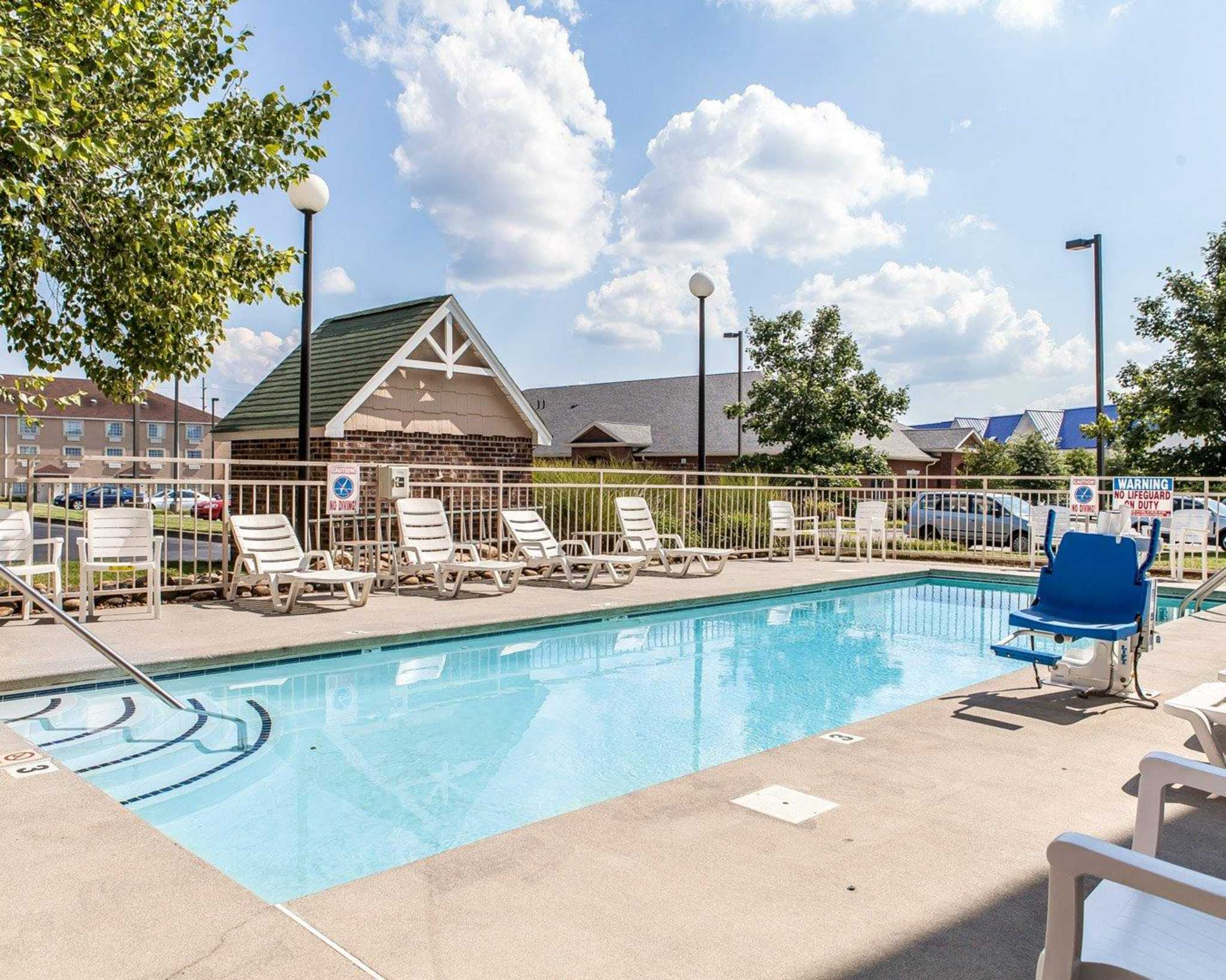 MainStay Suites Knoxville Airport image 4