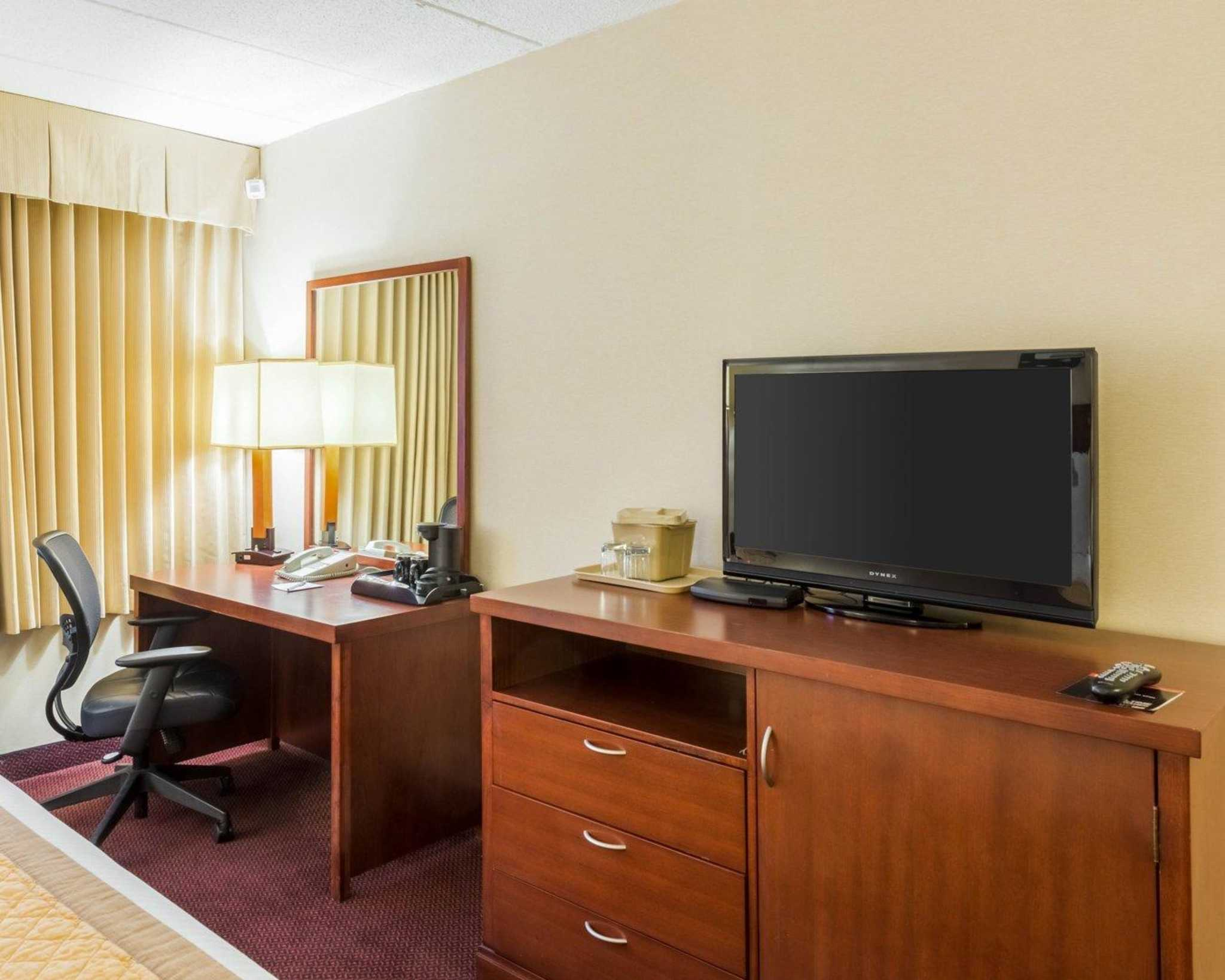 Clarion Hotel image 6