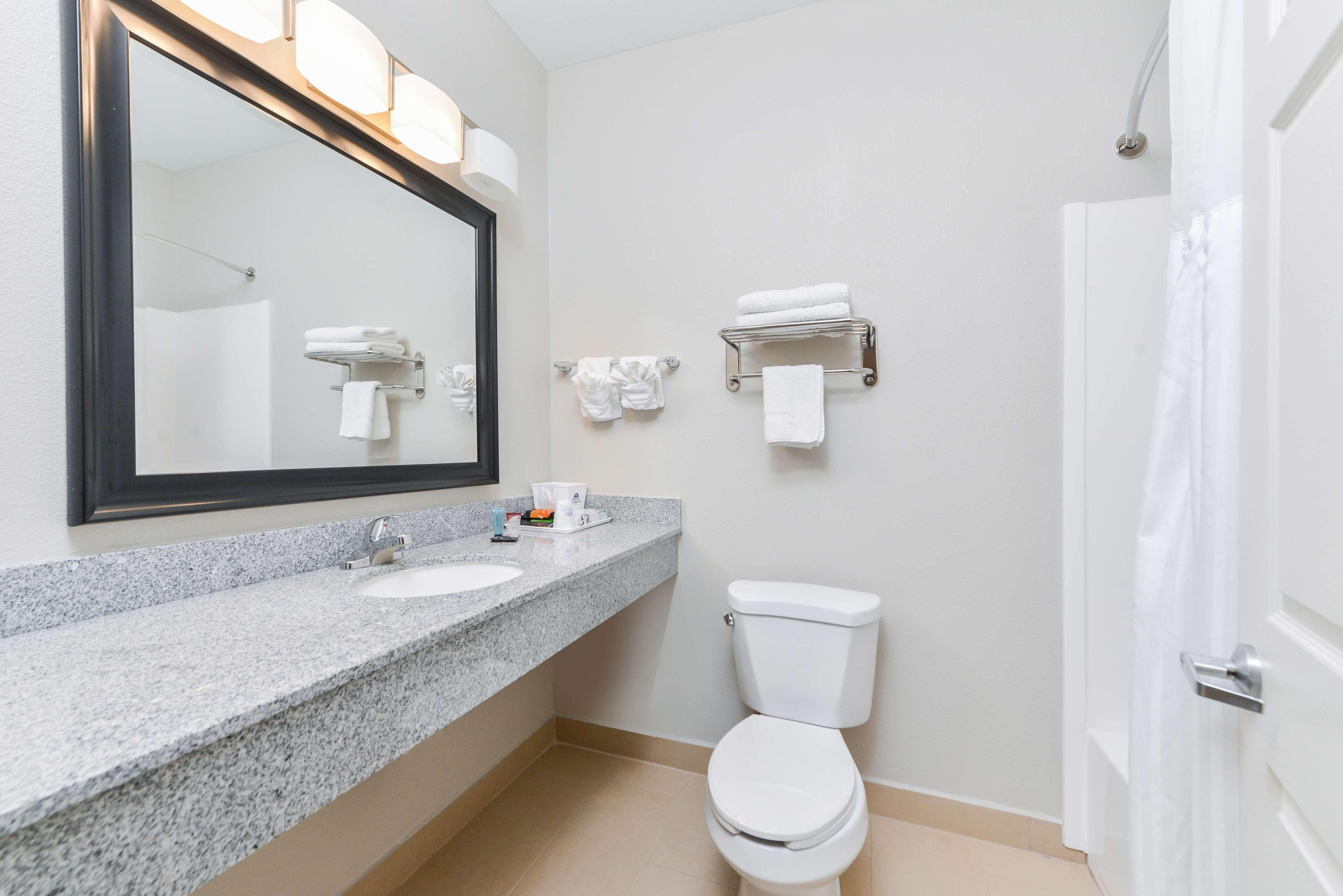 Americas Best Value Inn - Baton Rouge / College Drive image 14