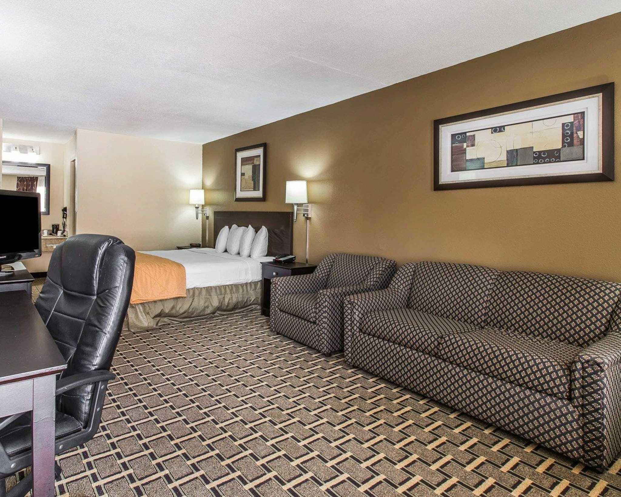 Quality Inn Kingsland image 5
