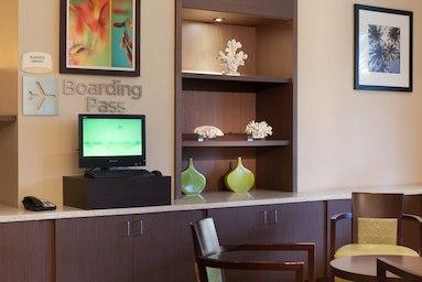 Courtyard by Marriott Miami Airport image 11