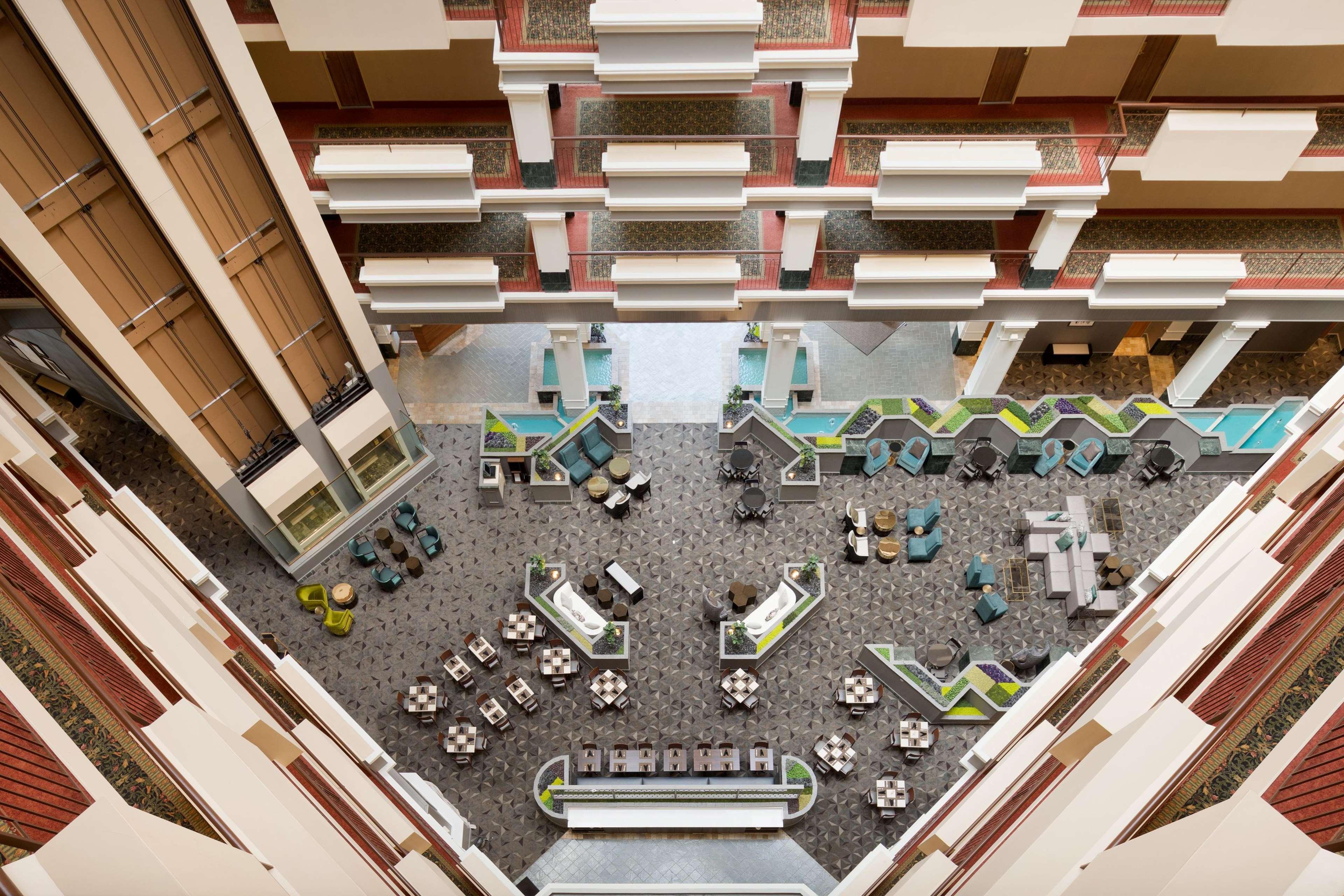 Hilton Chicago/Oak Brook Suites image 36