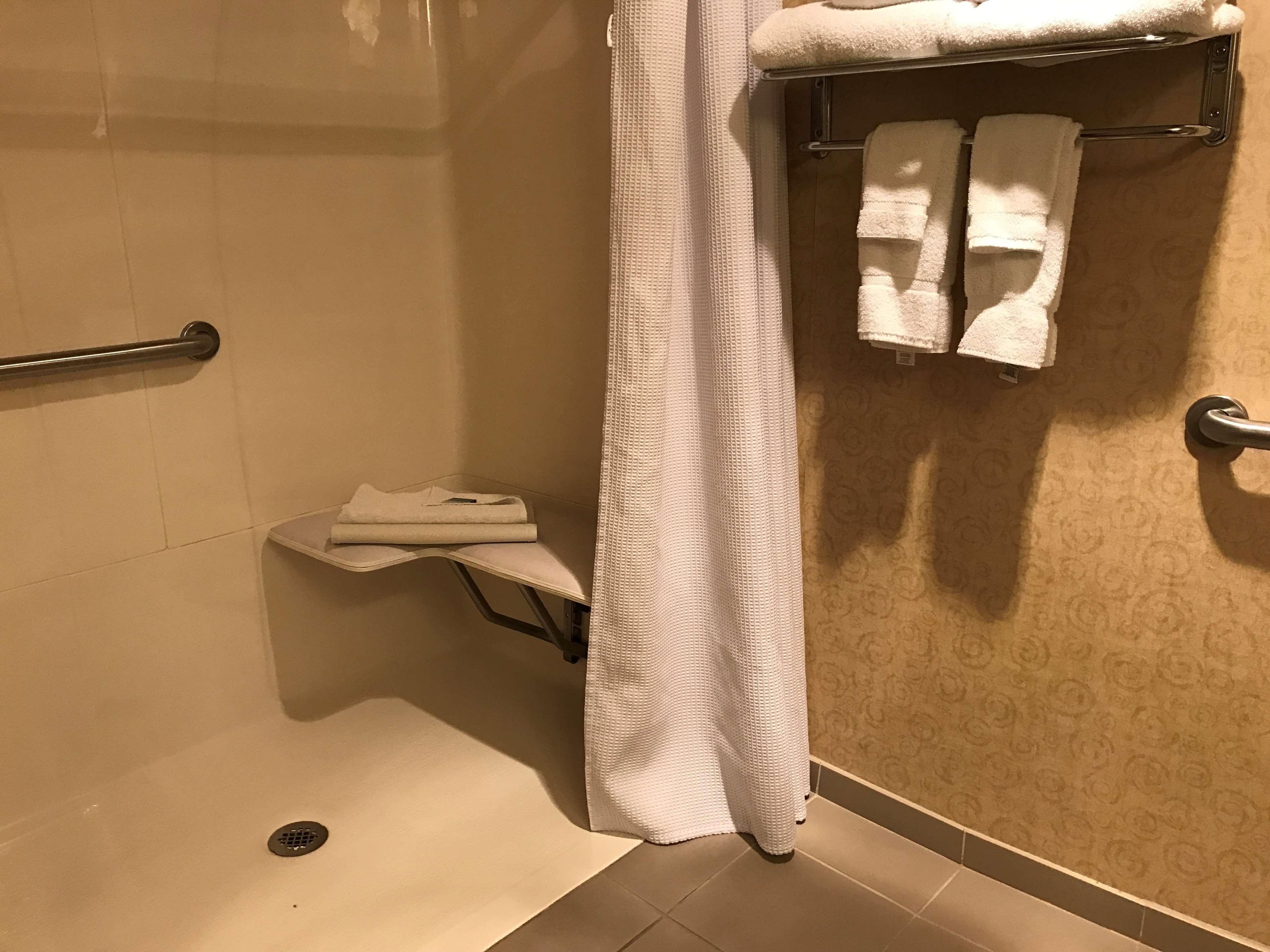 Best Western Plus Revere Inn & Suites image 17