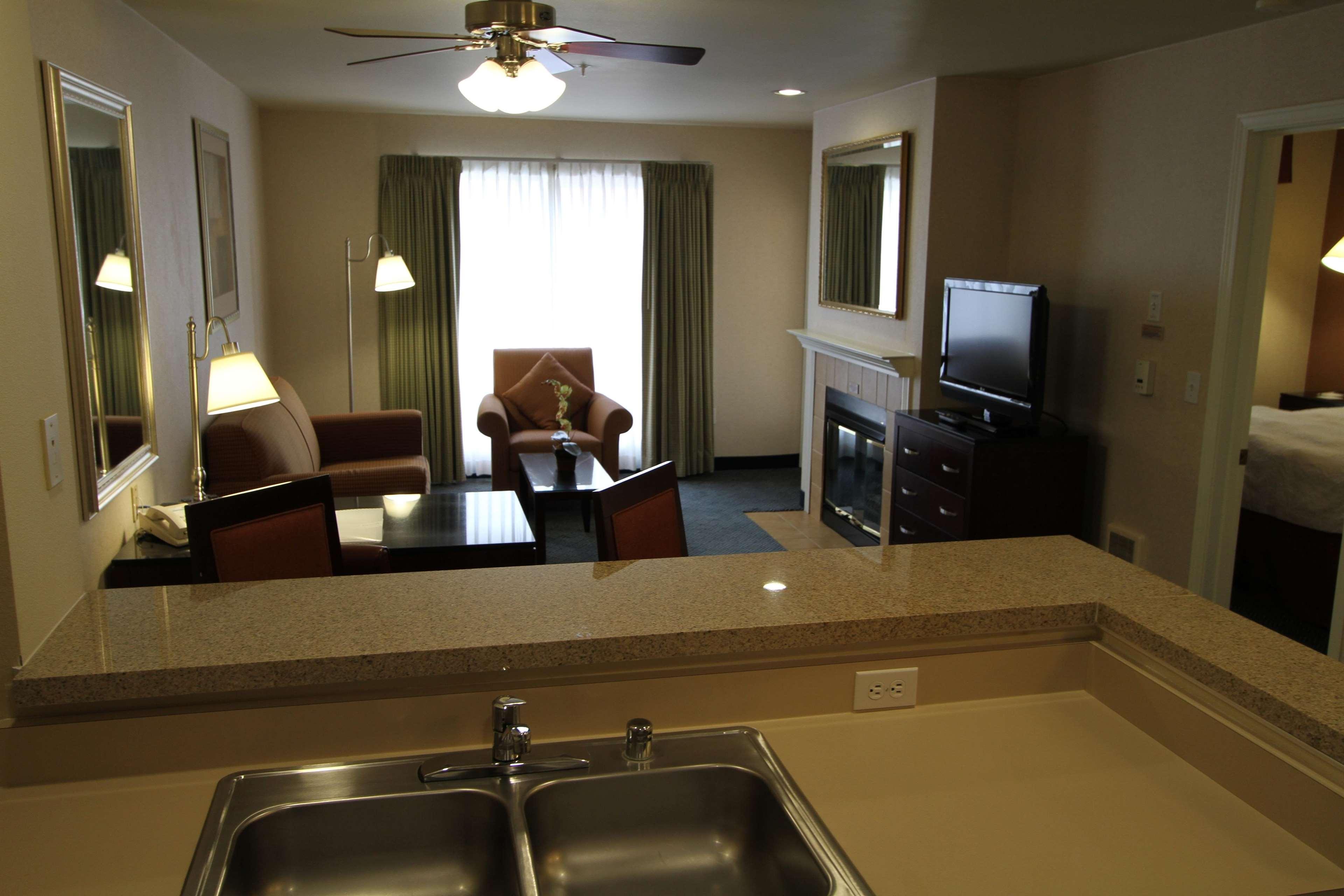 Hampton Inn & Suites Seattle-Downtown image 13