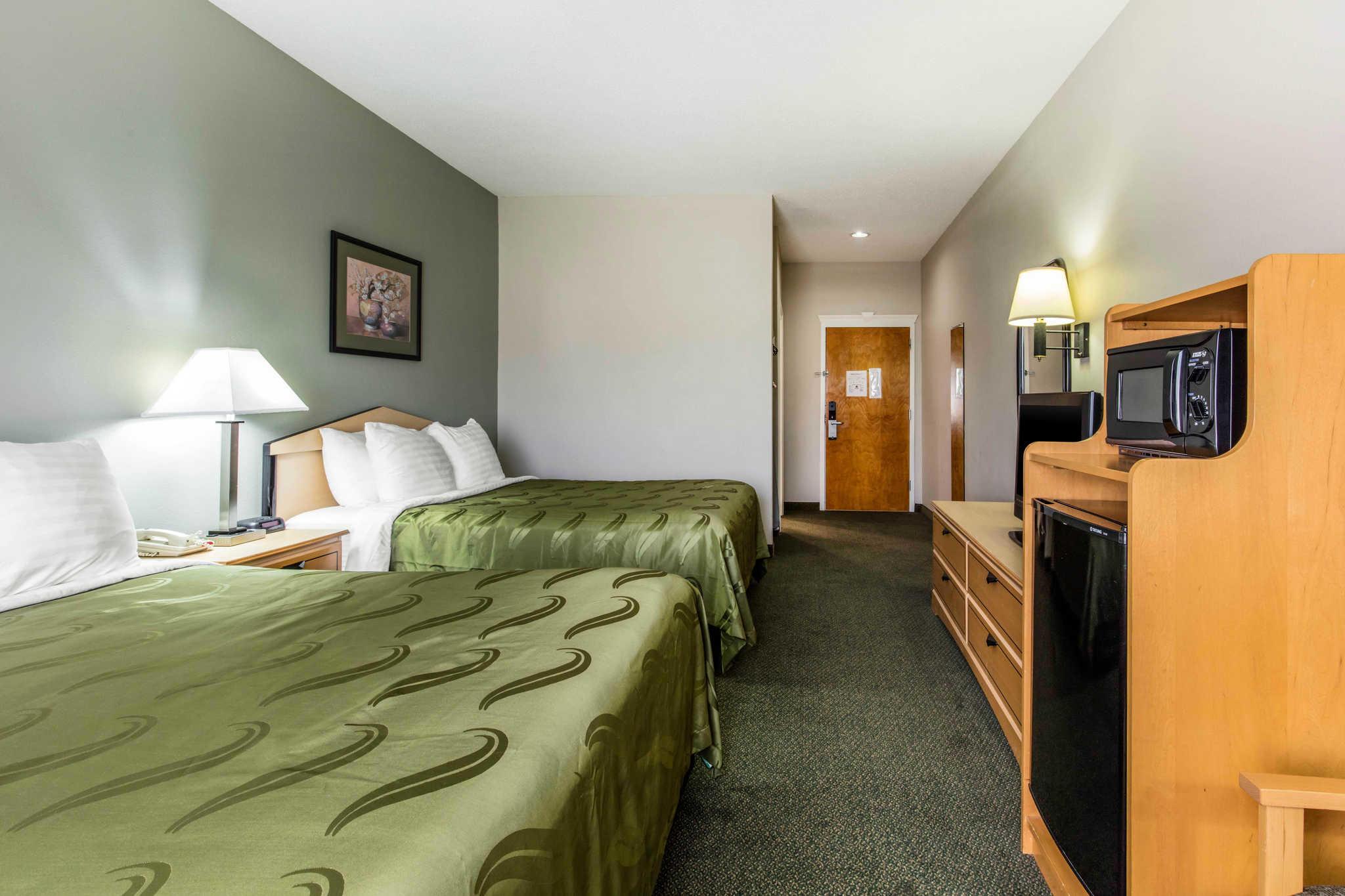 Quality Inn & Suites Jackson Int'l Airport image 14