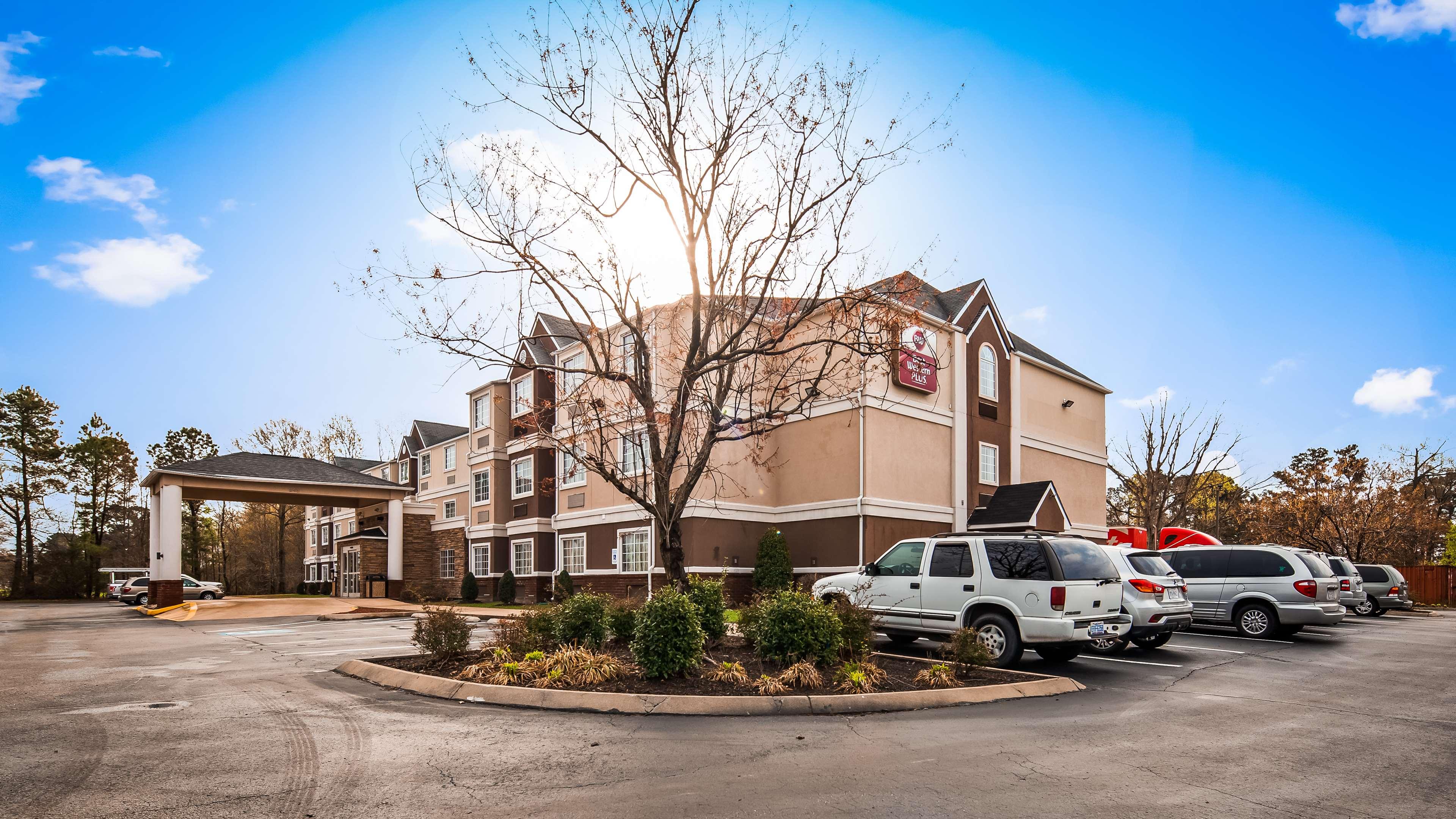Best Western Plus Elizabeth City Inn & Suites image 2