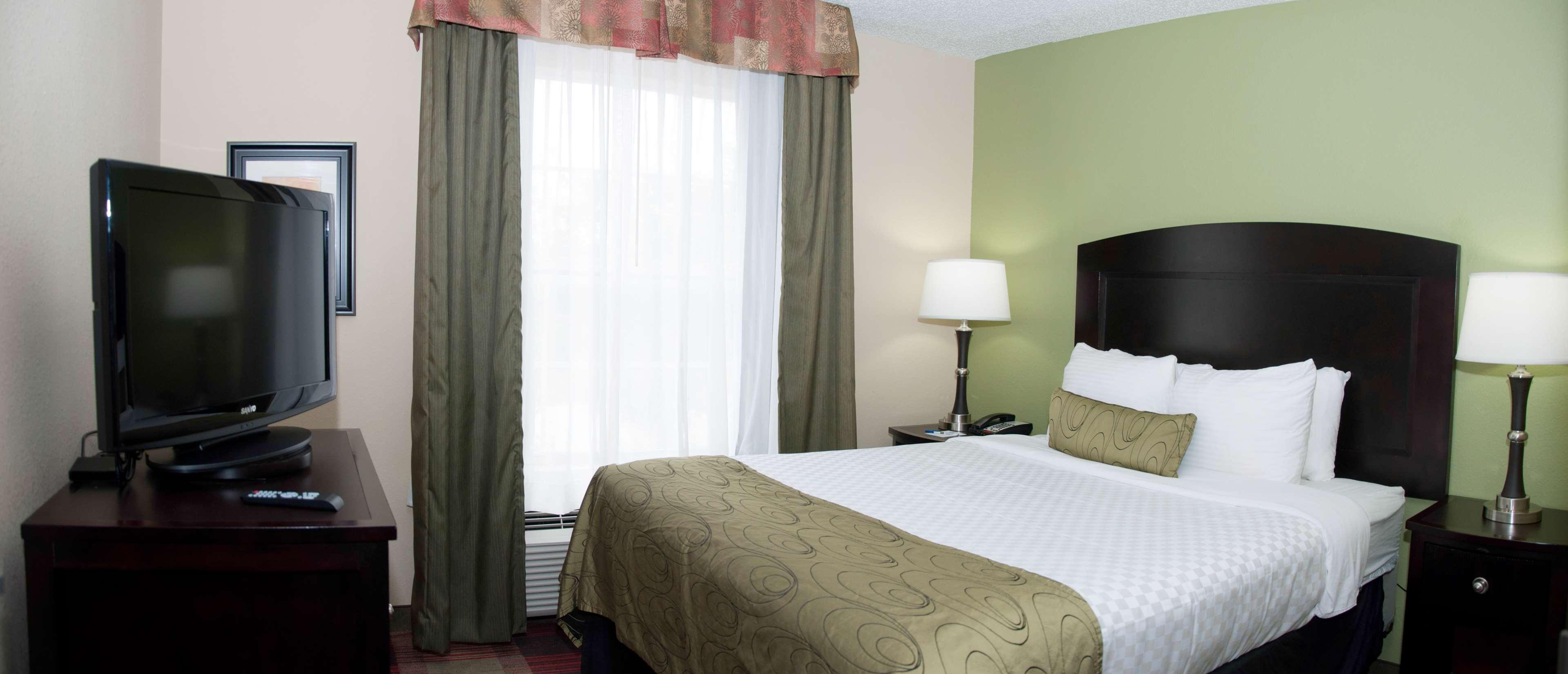 Best Western Plus Addison/Dallas Hotel image 20