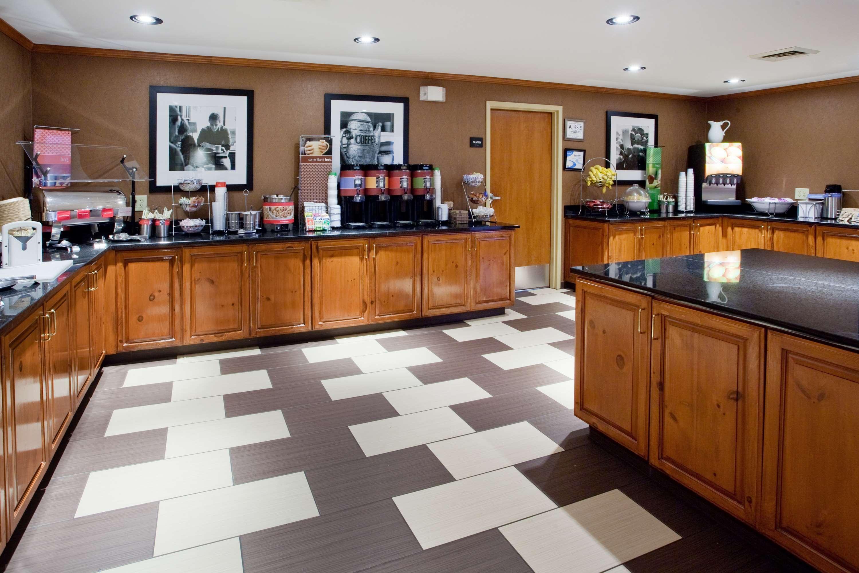 Hampton Inn & Suites Chapel Hill/Durham, Area image 4