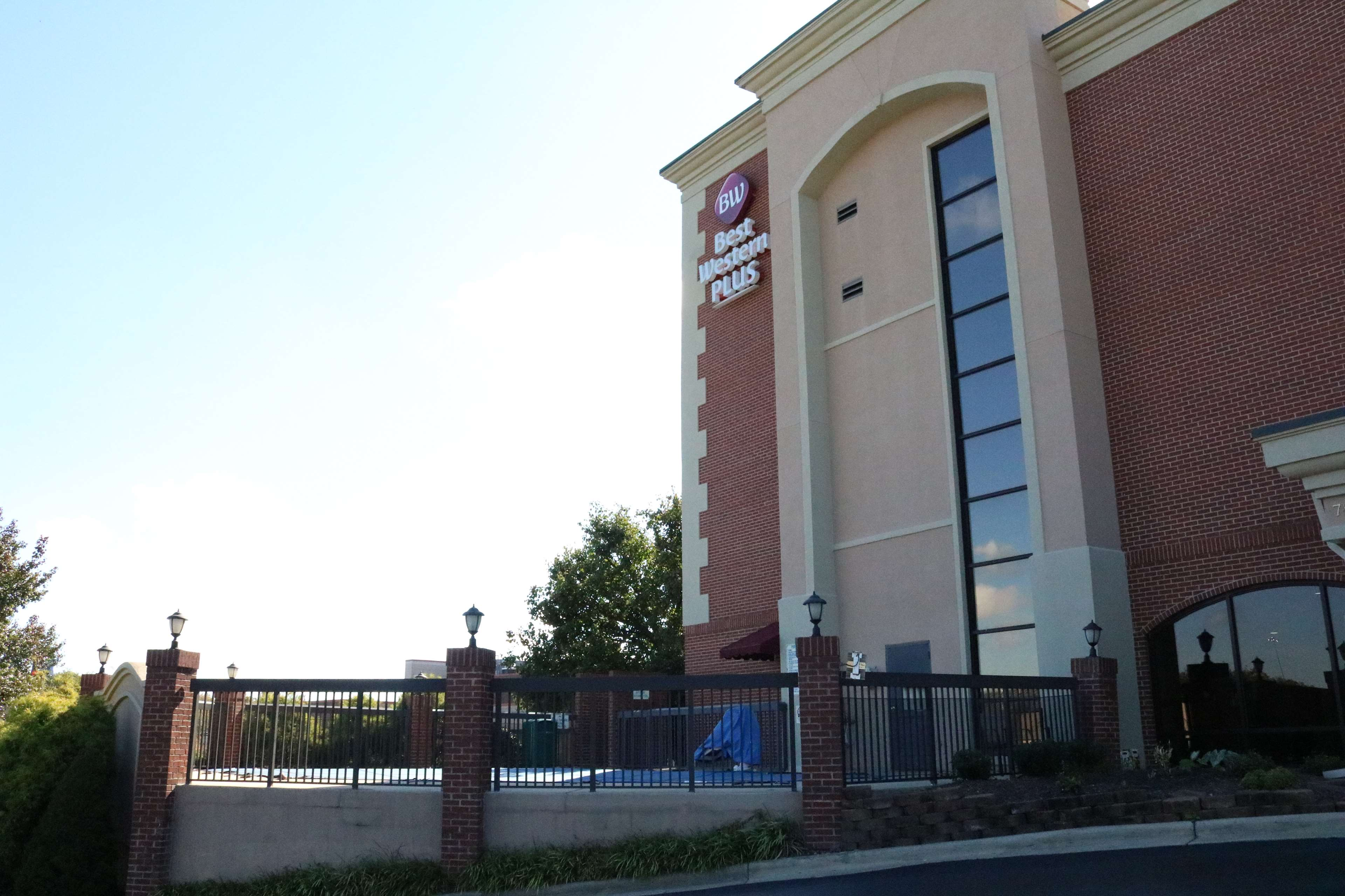 Best Western Plus Greensboro Airport Hotel image 35