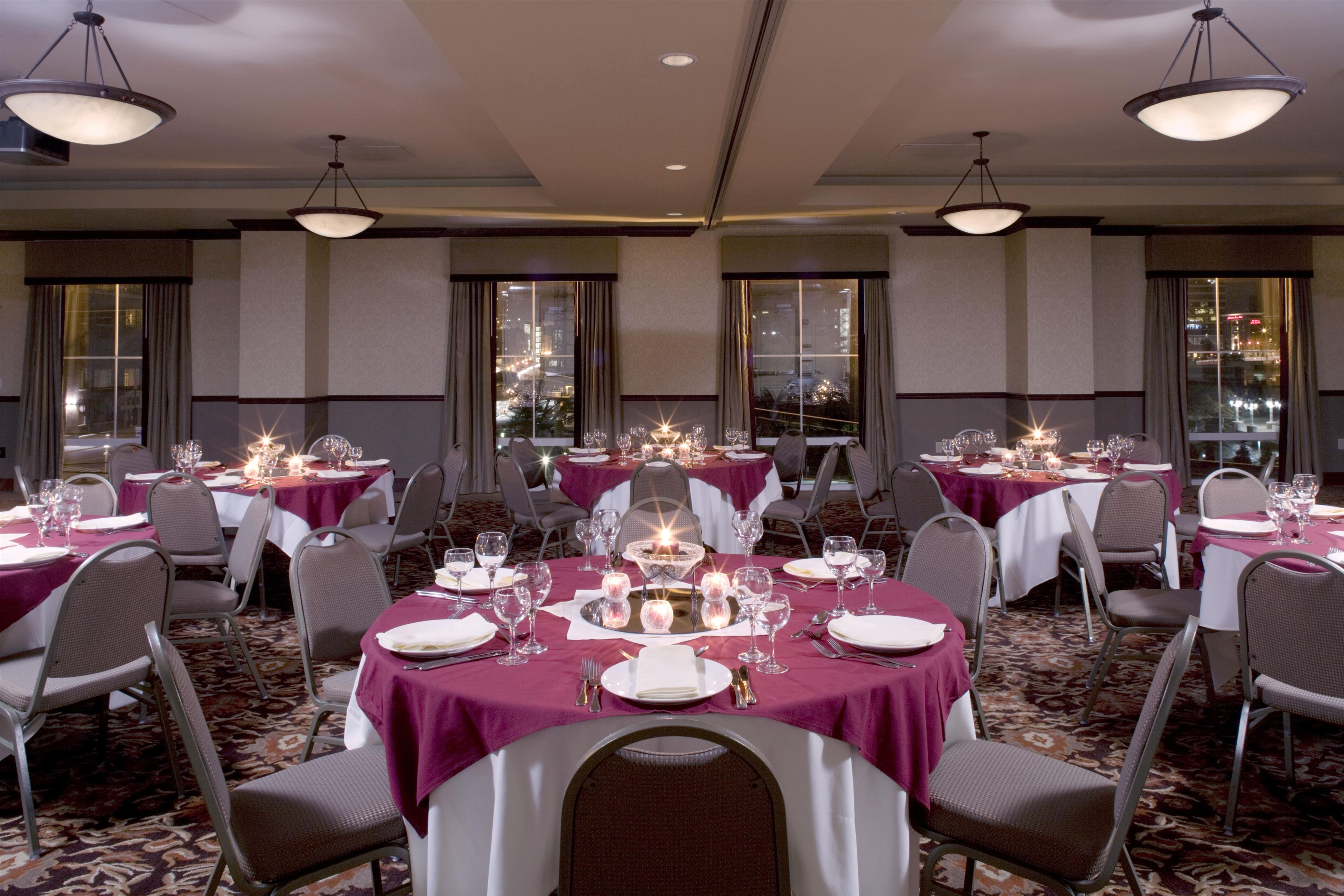 Four Points by Sheraton Knoxville Cumberland House Hotel image 2