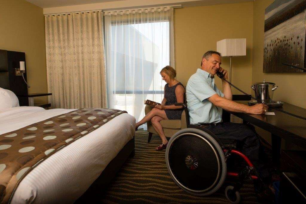 Best Western Plus Hotel Levesque à Riviere-du-Loup: Mobility Accessible King with Park View