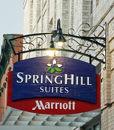 SpringHill Suites by Marriott Savannah Downtown/Historic District image 4