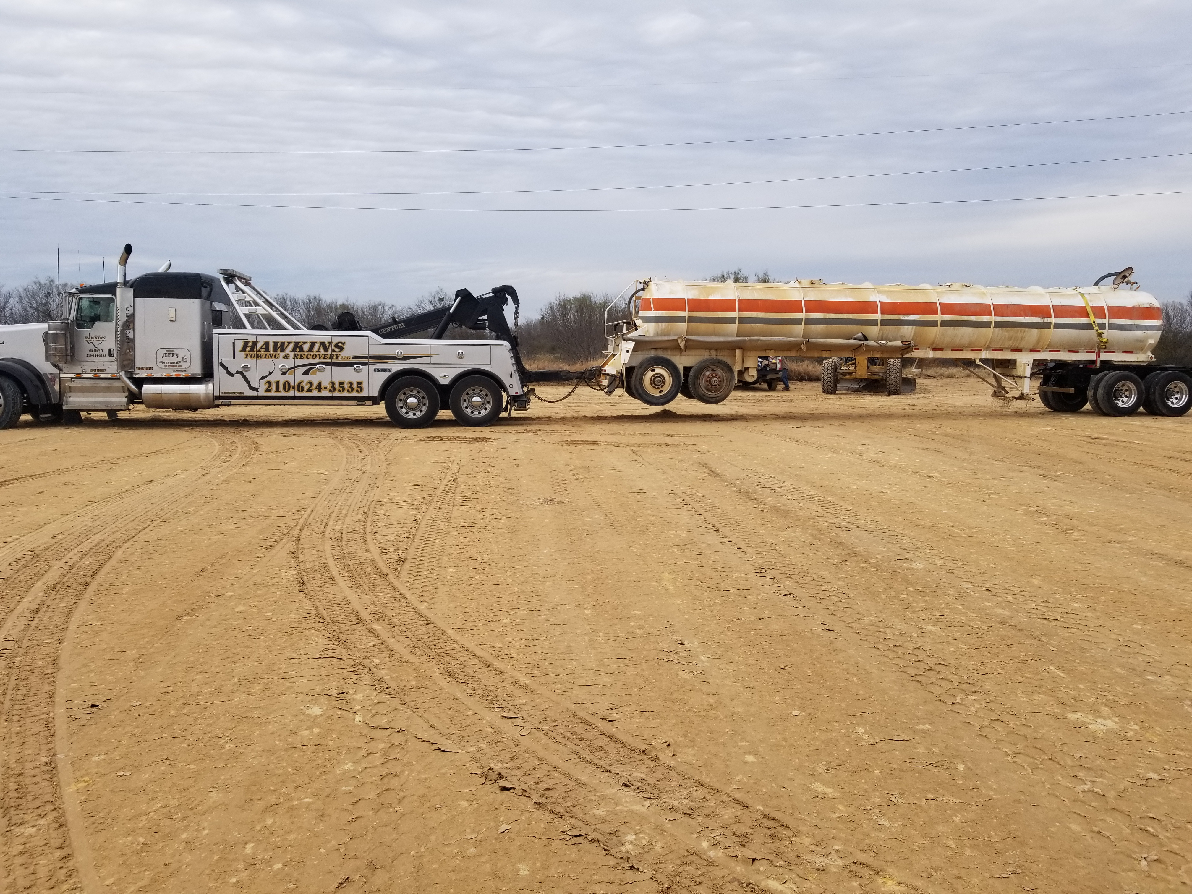 Hawkins Towing & Recovery image 9