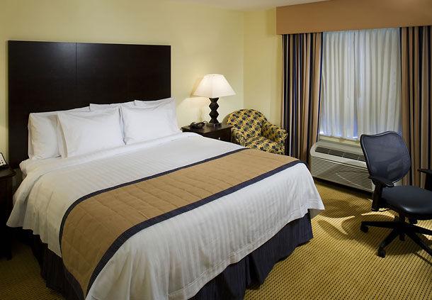 Fairfield Inn & Suites by Marriott Houston Intercontinental Airport image 3