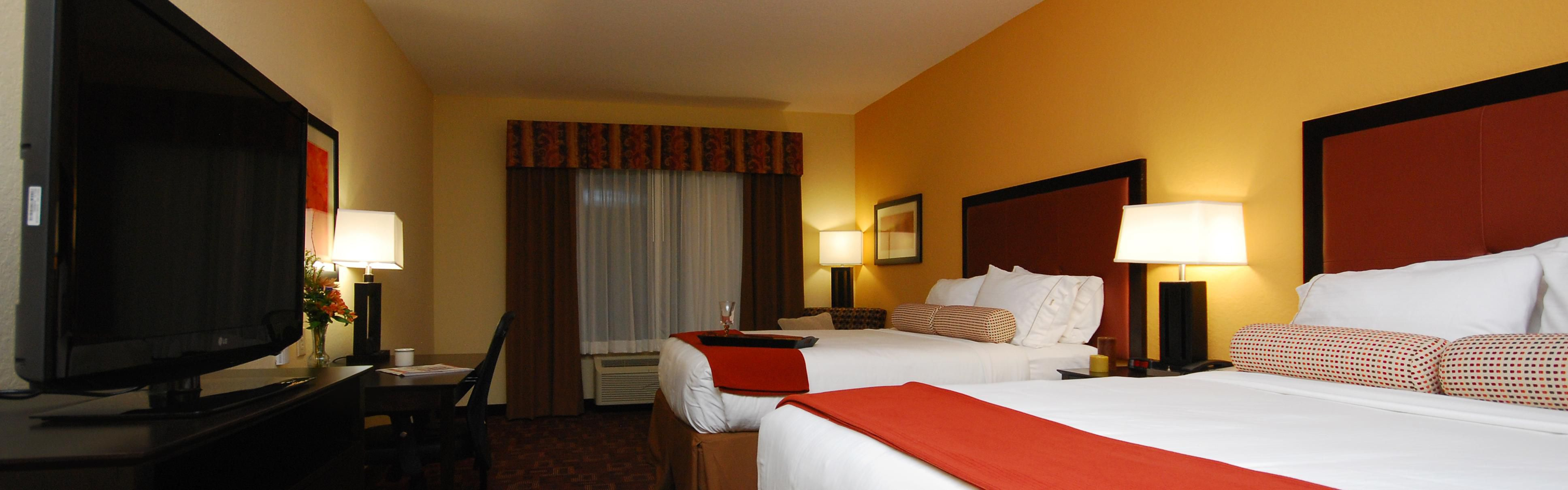 Holiday Inn Express & Suites Gonzales image 1
