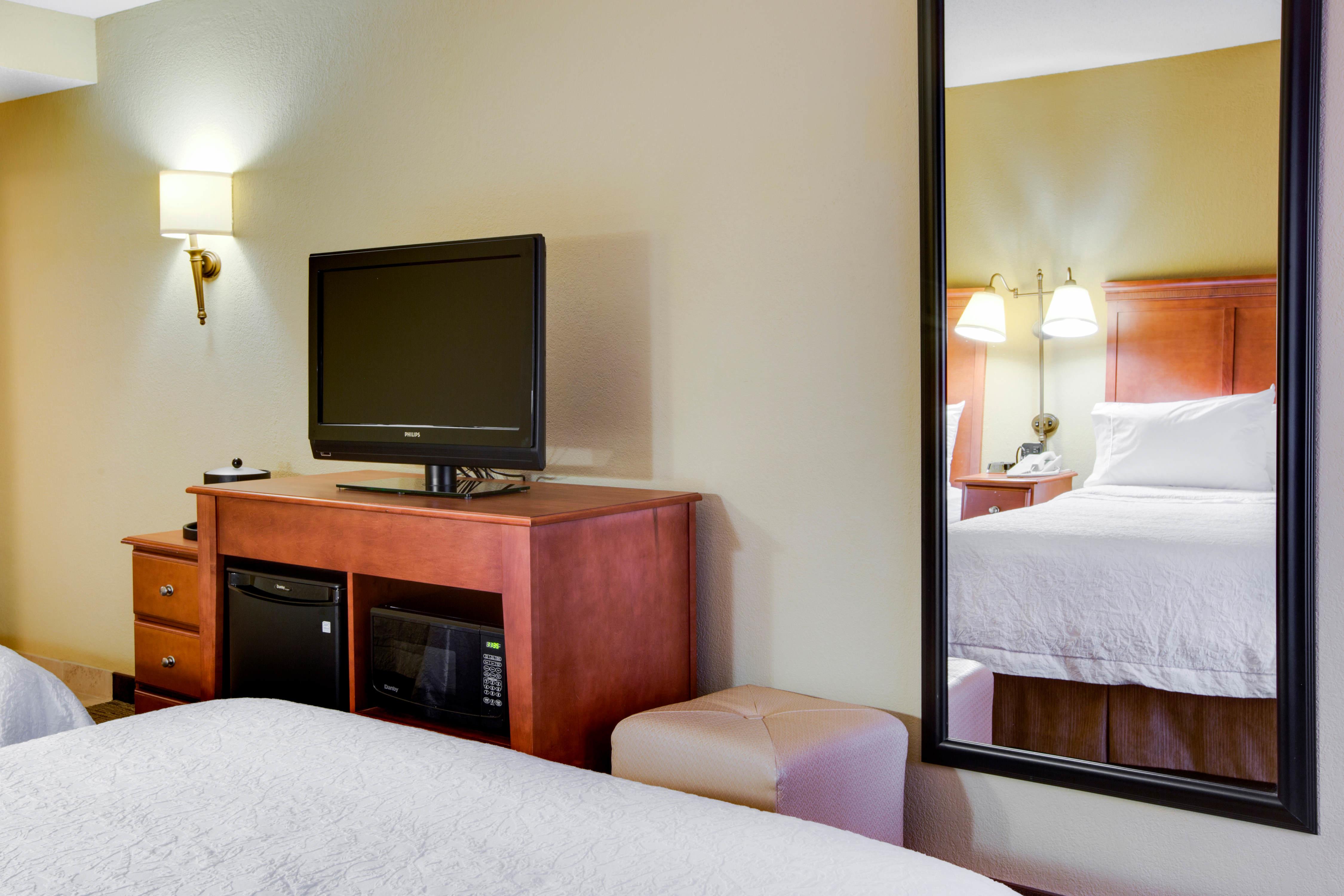 Hampton Inn Pittsburgh/Greentree image 38