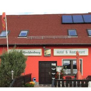 Logo von Landhaus Mecklenburg - Hotel & Restaurant in Waren (Müritz)
