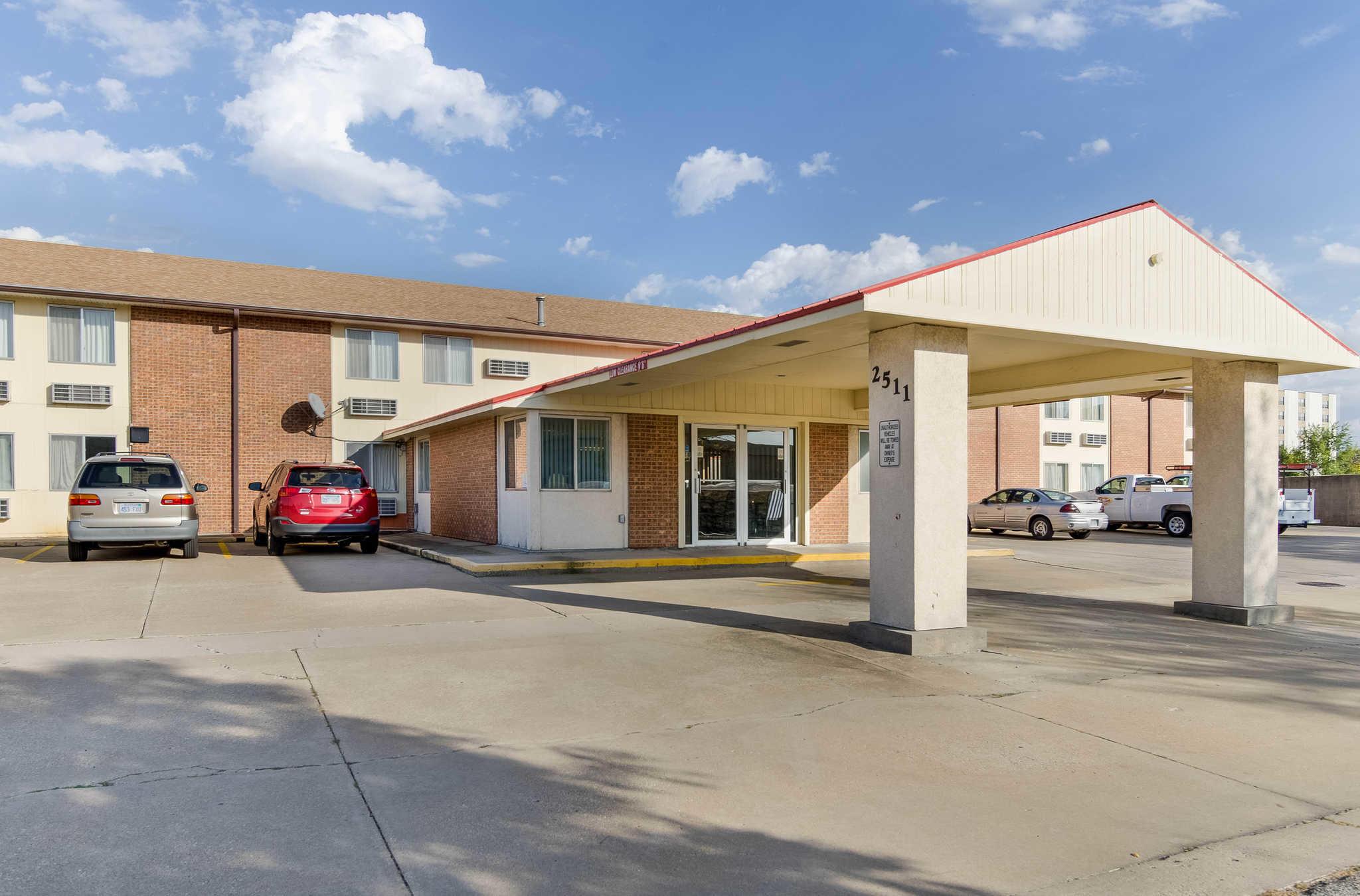 Americas Best Inn And Suites Emporia Business Listings In Emporia Ks United States