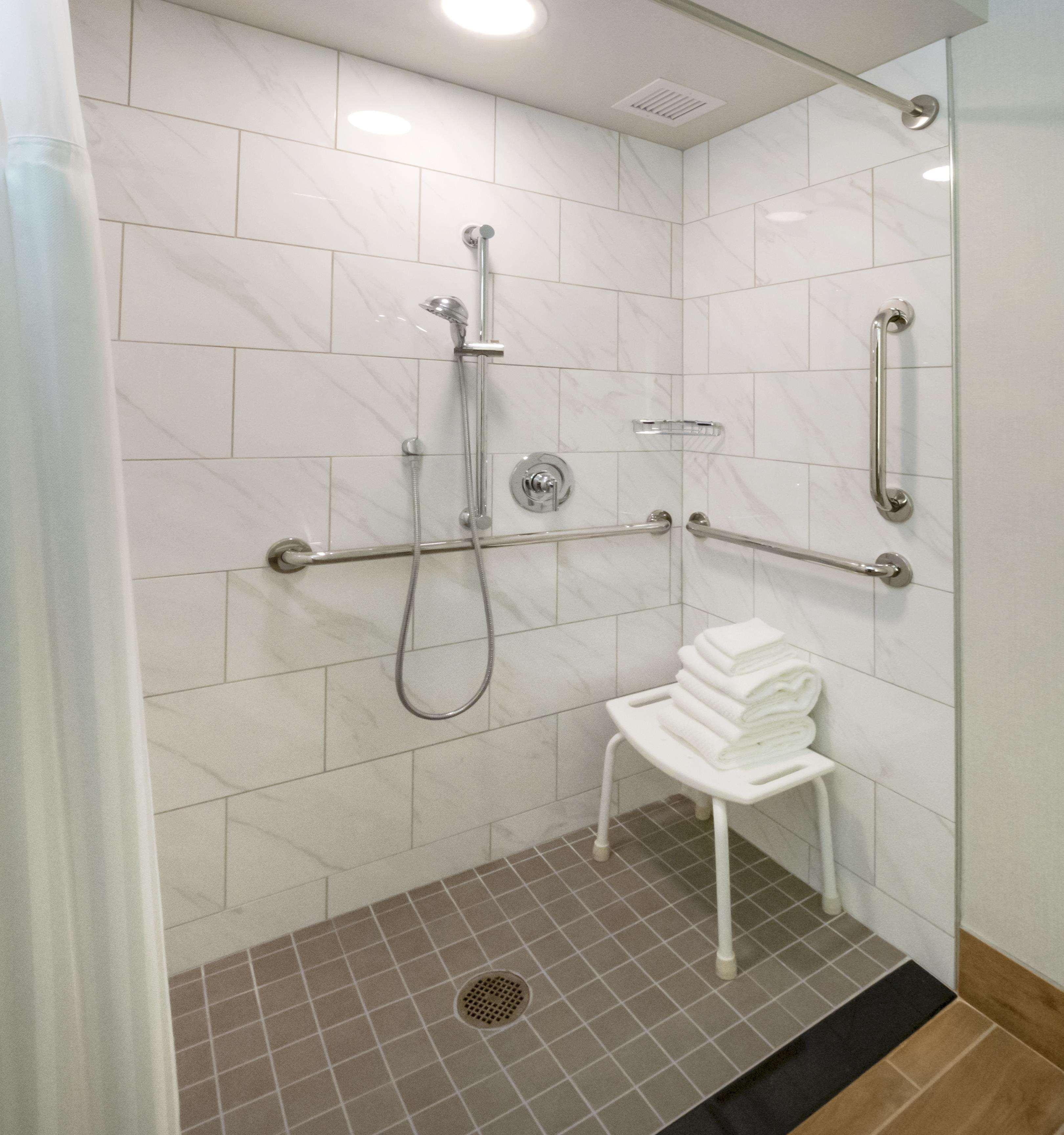 DoubleTree by Hilton Jamestown image 19