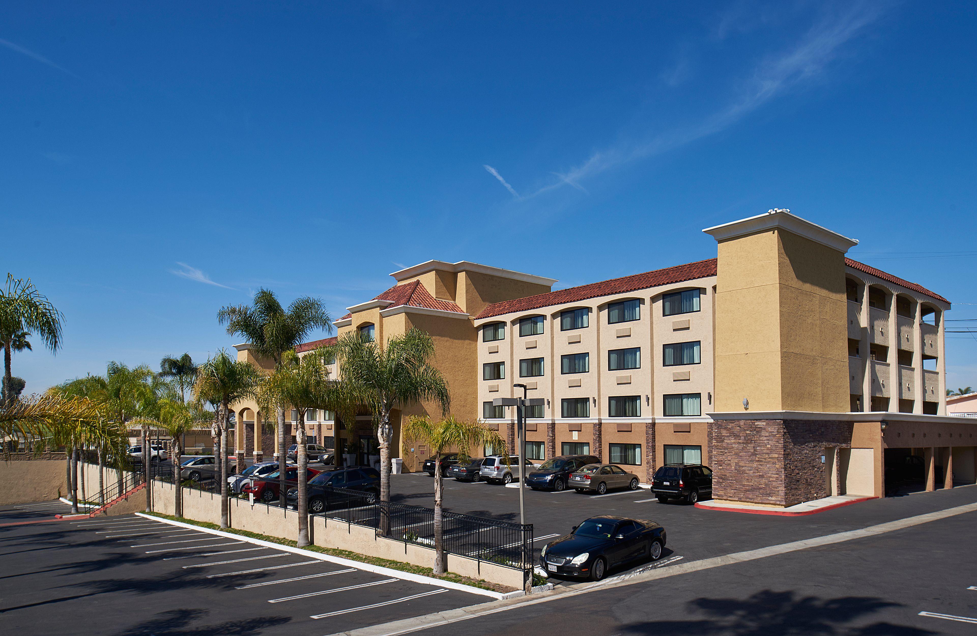 Holiday Inn Express San Diego Seaworld Beach Area San