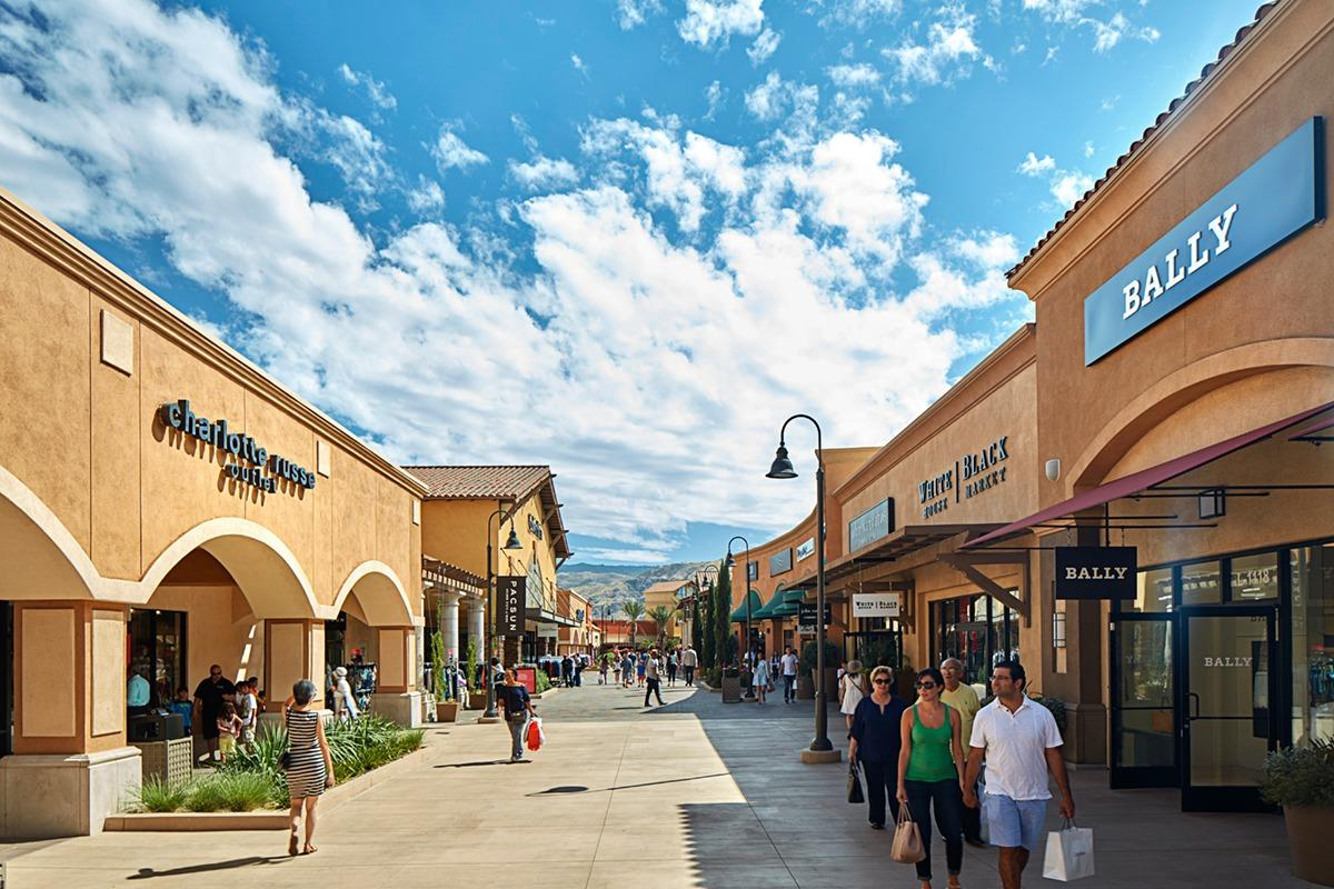 Our Cabazon outlet mall guide shows all the outlet malls in and around Cabazon, helping you locate the most convenient outlet shopping according to your location and travel plans. OutletBound has all the information you need about outlet malls near Cabazon, including mall details, stores, deals, sales, offers, events, location, directions and more.