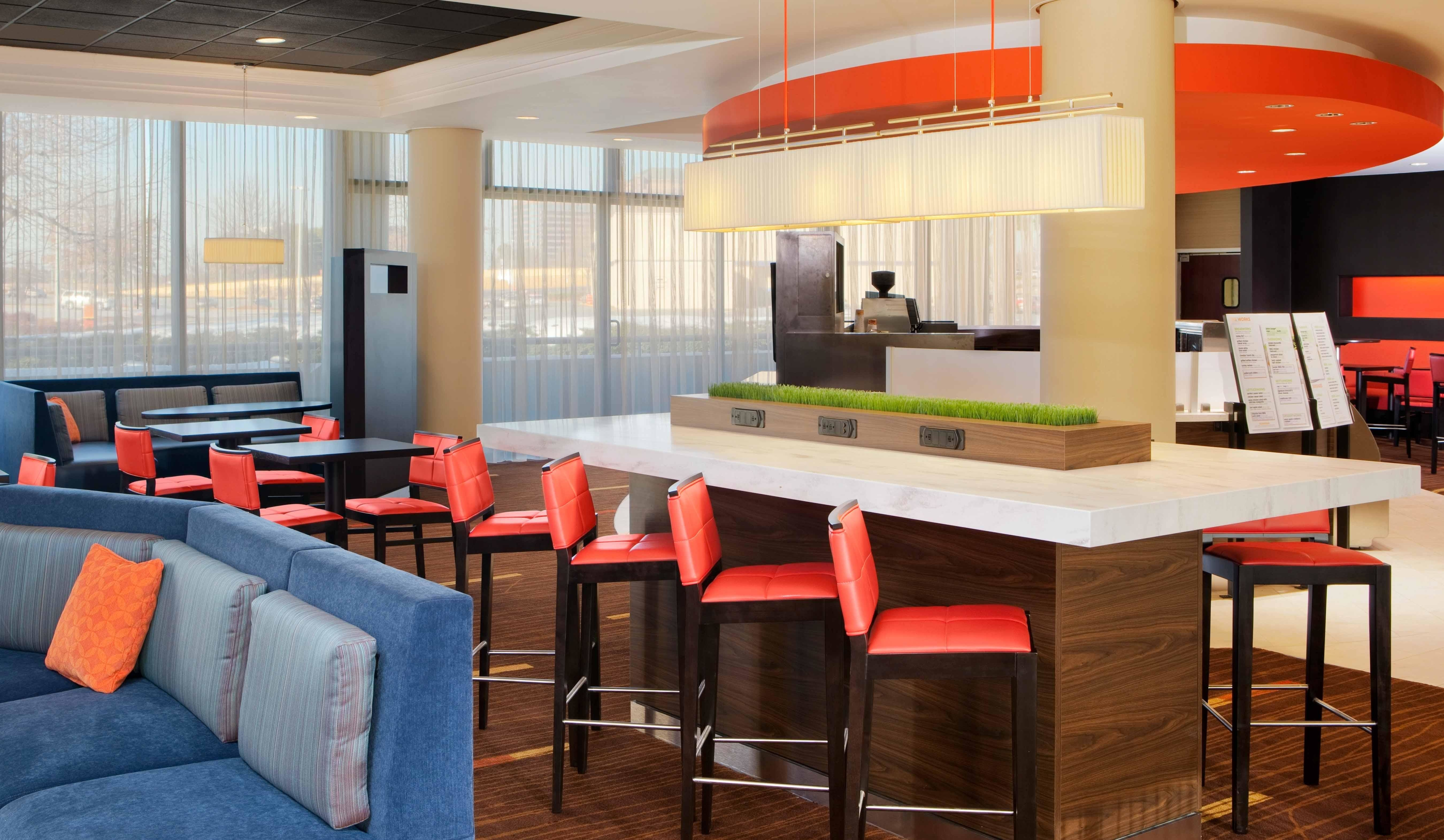 courtyard by marriott atlanta cumberland galleria coupons near me in atlanta 8coupons. Black Bedroom Furniture Sets. Home Design Ideas