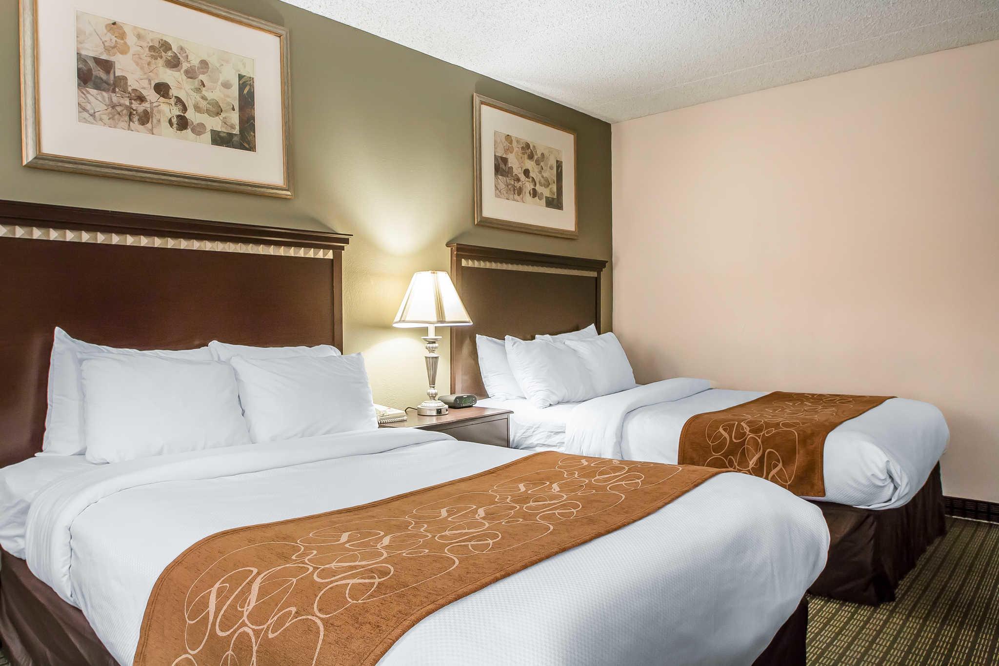 Comfort Inn & Suites - Rochelle, IL 61068 - (815)562-5551   ShowMeLocal.com