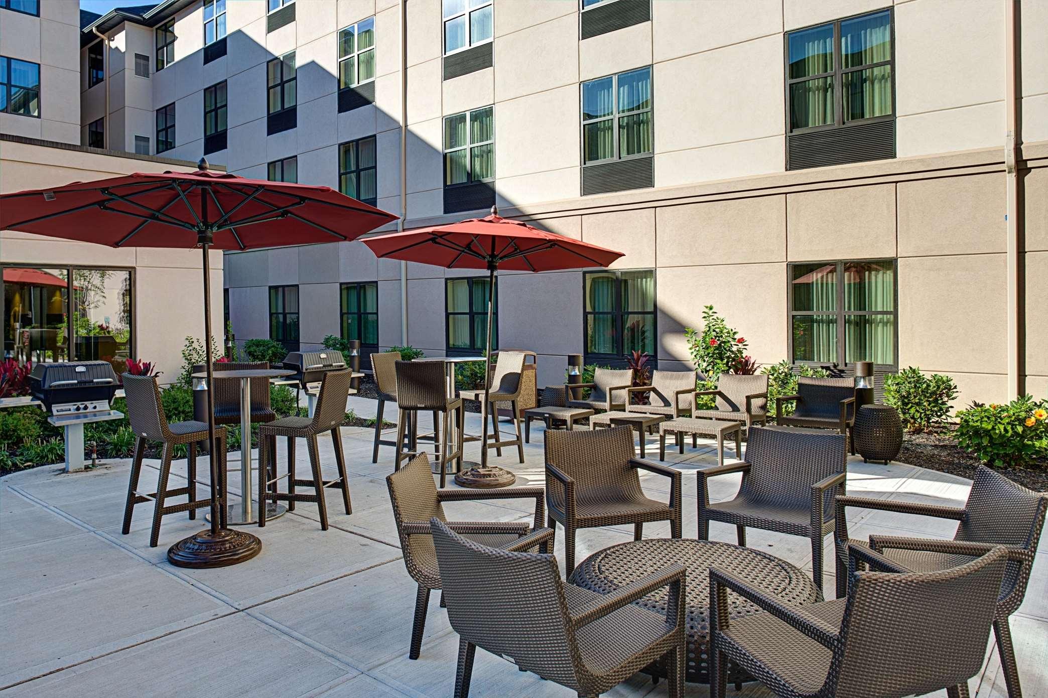 Hotels Near Carle Place Ny