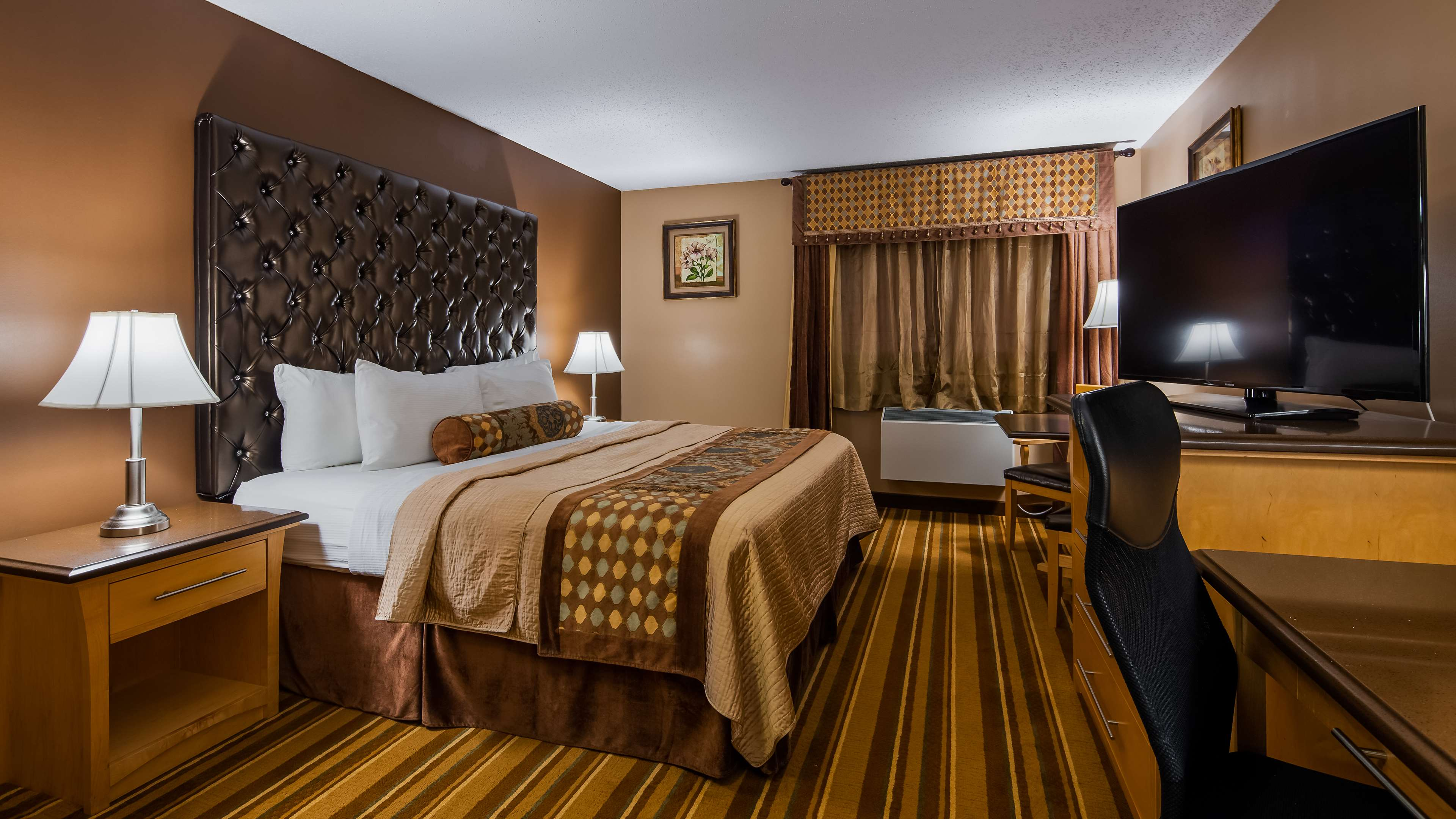 Best Western Marquis Inn & Suites in Prince Albert: Guest Room