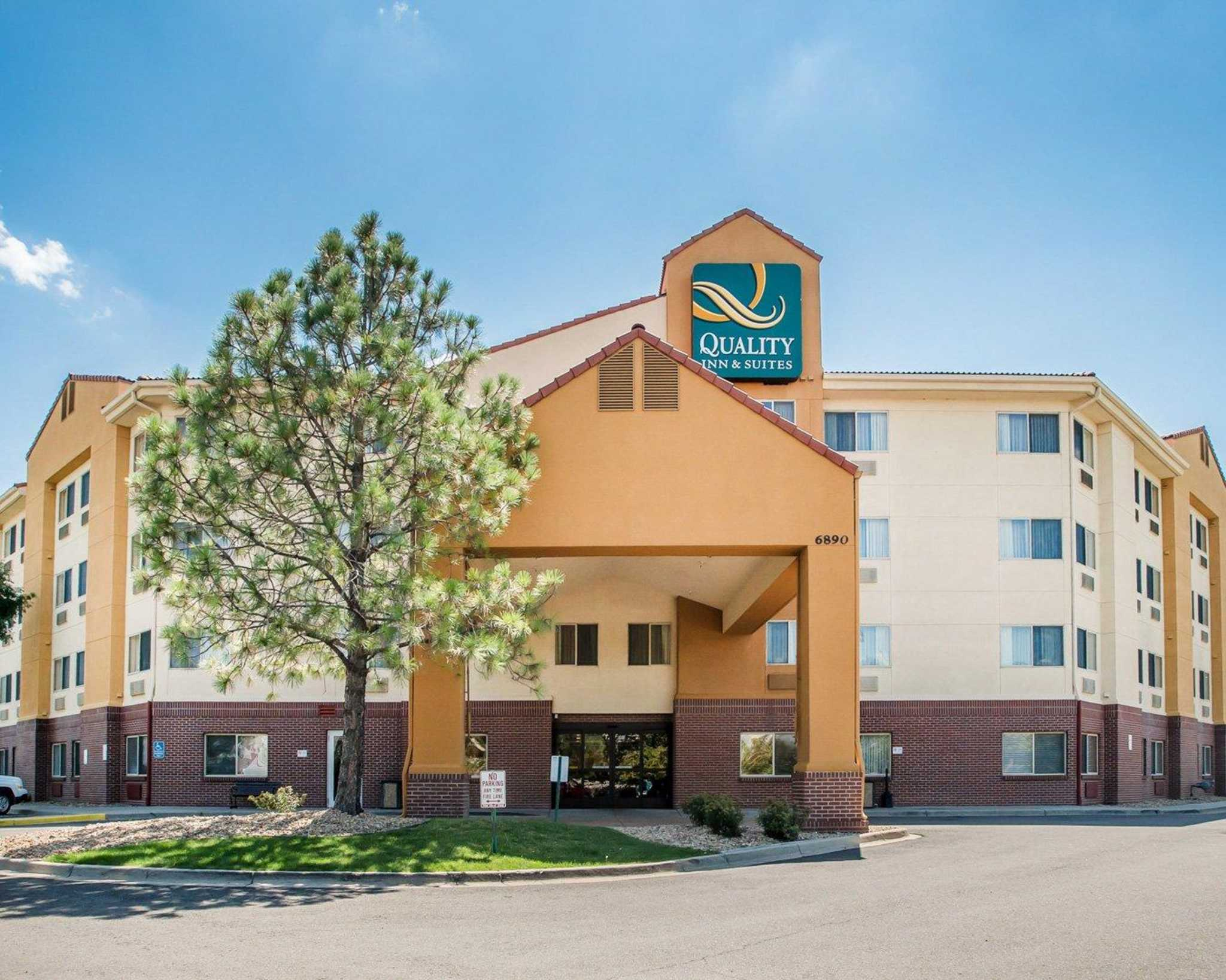 quality inn suites denver international airport denver. Black Bedroom Furniture Sets. Home Design Ideas