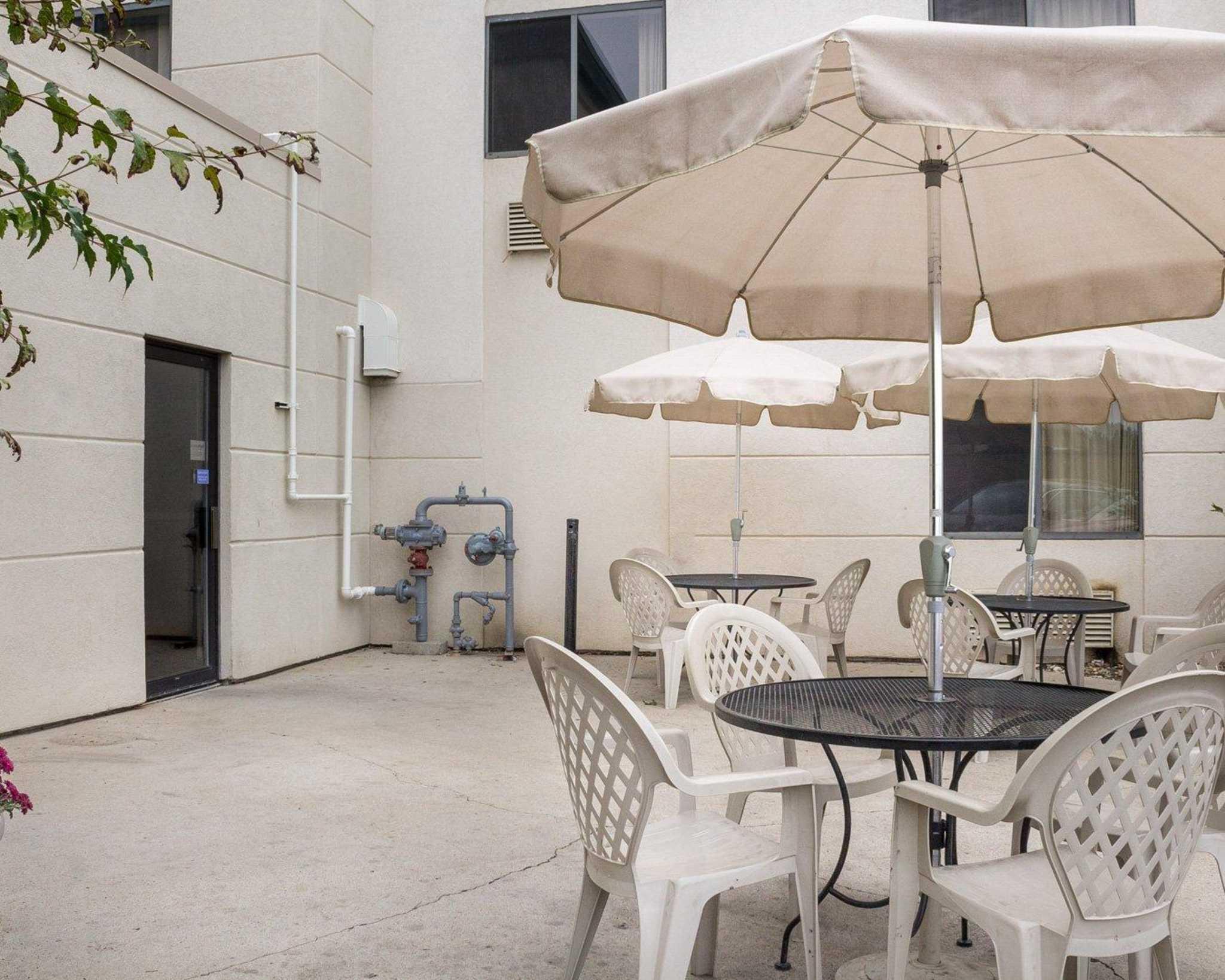 Comfort Suites In Bismarck Nd 58503 Chamberofcommerce Com