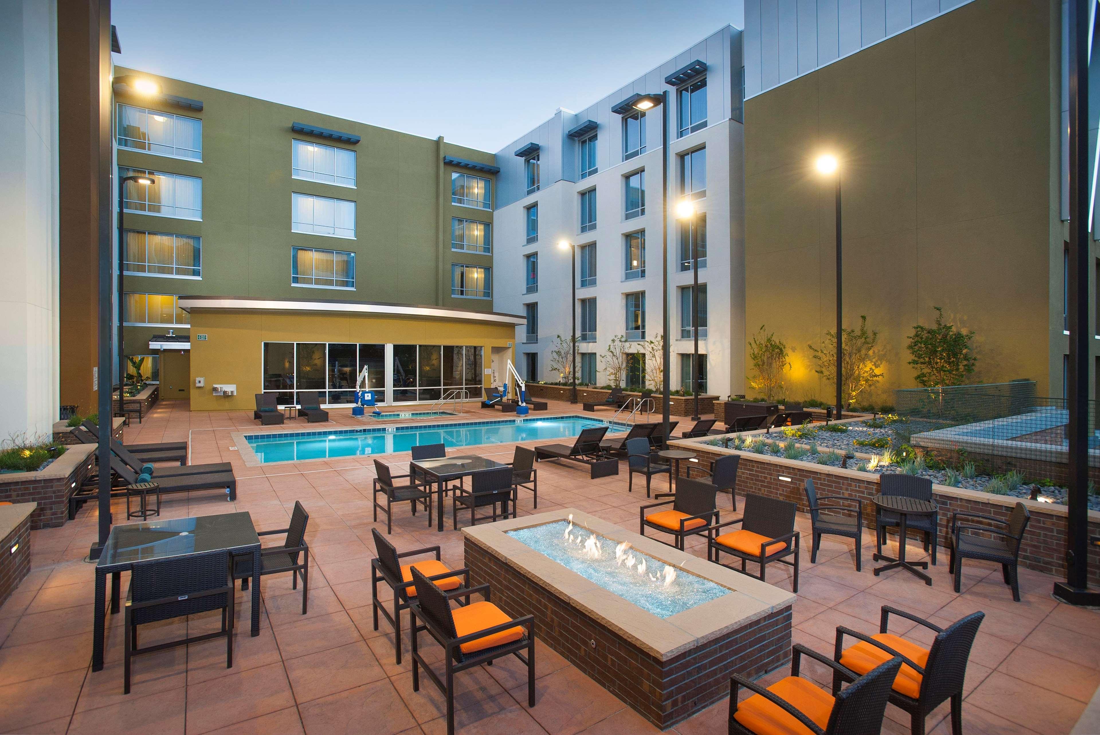 Hilton Garden Inn Burbank Downtown In Burbank Ca 91502