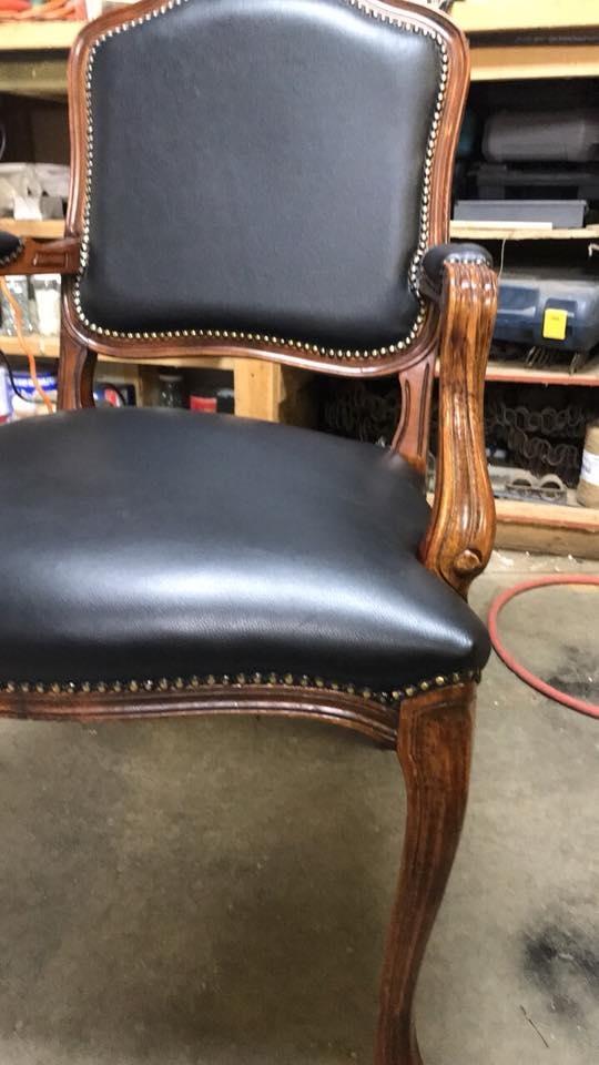 L&Y Upholstery Ltd Olds (403)586-5177