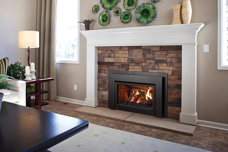 Fireplace Gallery in Edmonton: Regency Ultimate Gas Fireplace Insert - U31