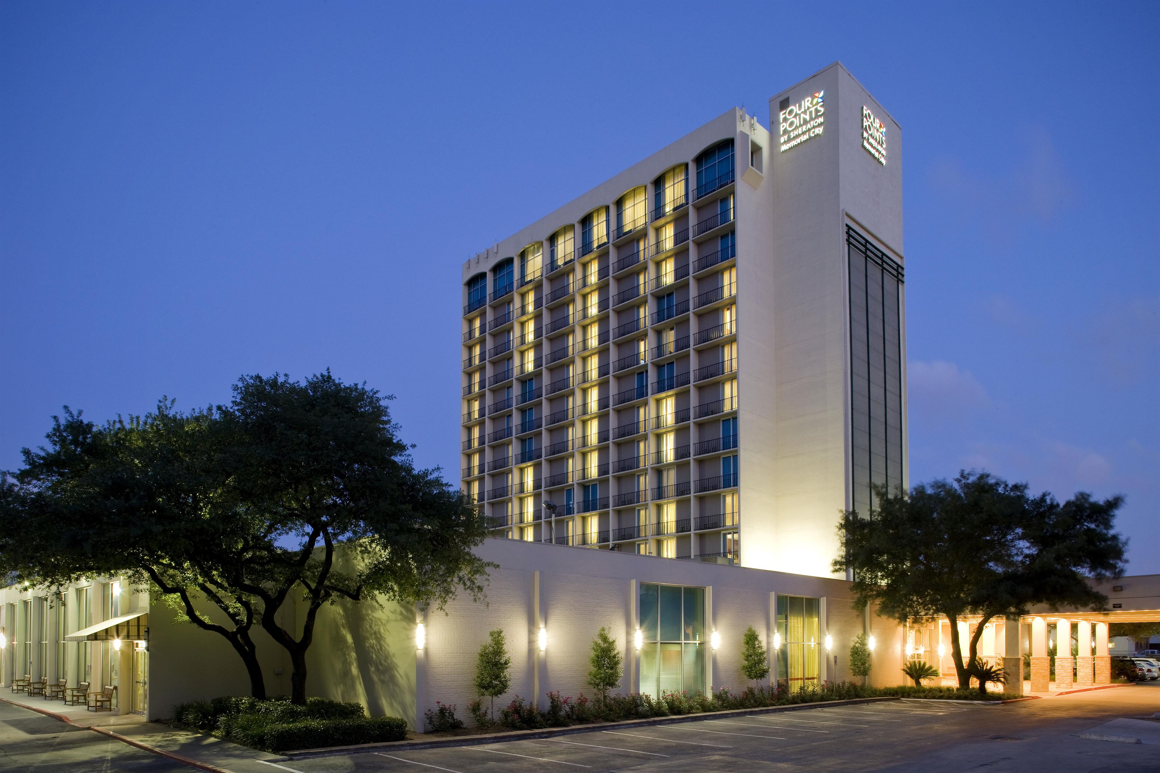 Four Points by Sheraton offers a great location on the corner of Katy Freeway and Beltway 8 (Sam Houston Tollroad). The Memorial Hermann Hospital complex and Memorial City Mall are easy to get to with their shuttle service. Offers guest rooms with 81, 2-room suites complete with parlor.