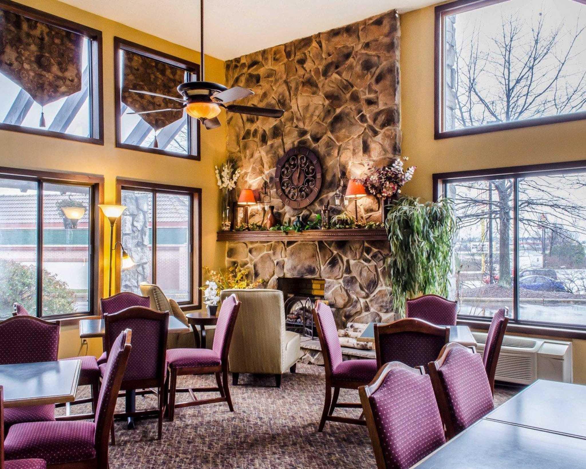 quality inn bloomsburg pennsylvania pa. Black Bedroom Furniture Sets. Home Design Ideas