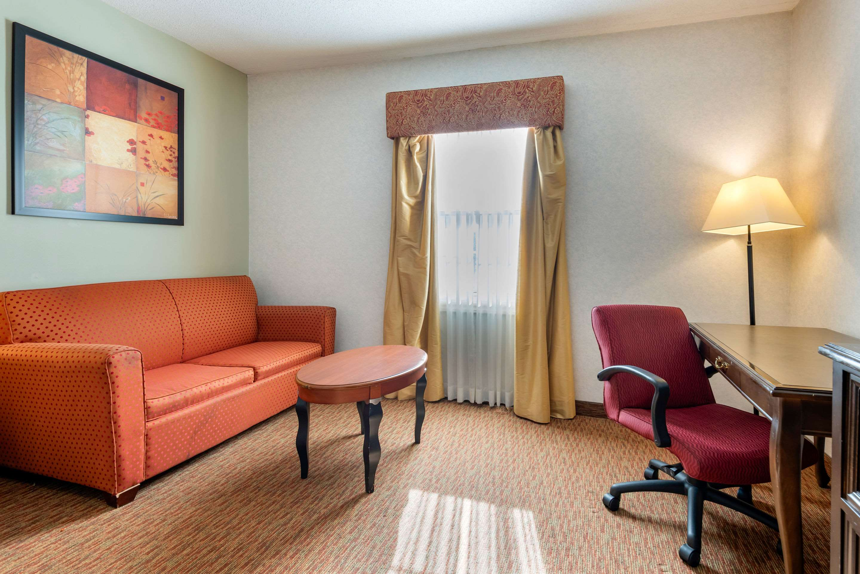 Guest room with king bed(s) Quality Inn Sarnia (519)344-1157