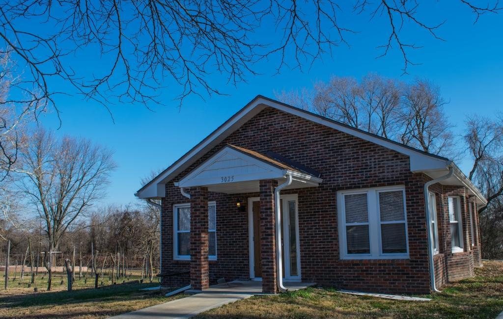 Mallinson Vineyard And Hall Sugar Creek Missouri Mo