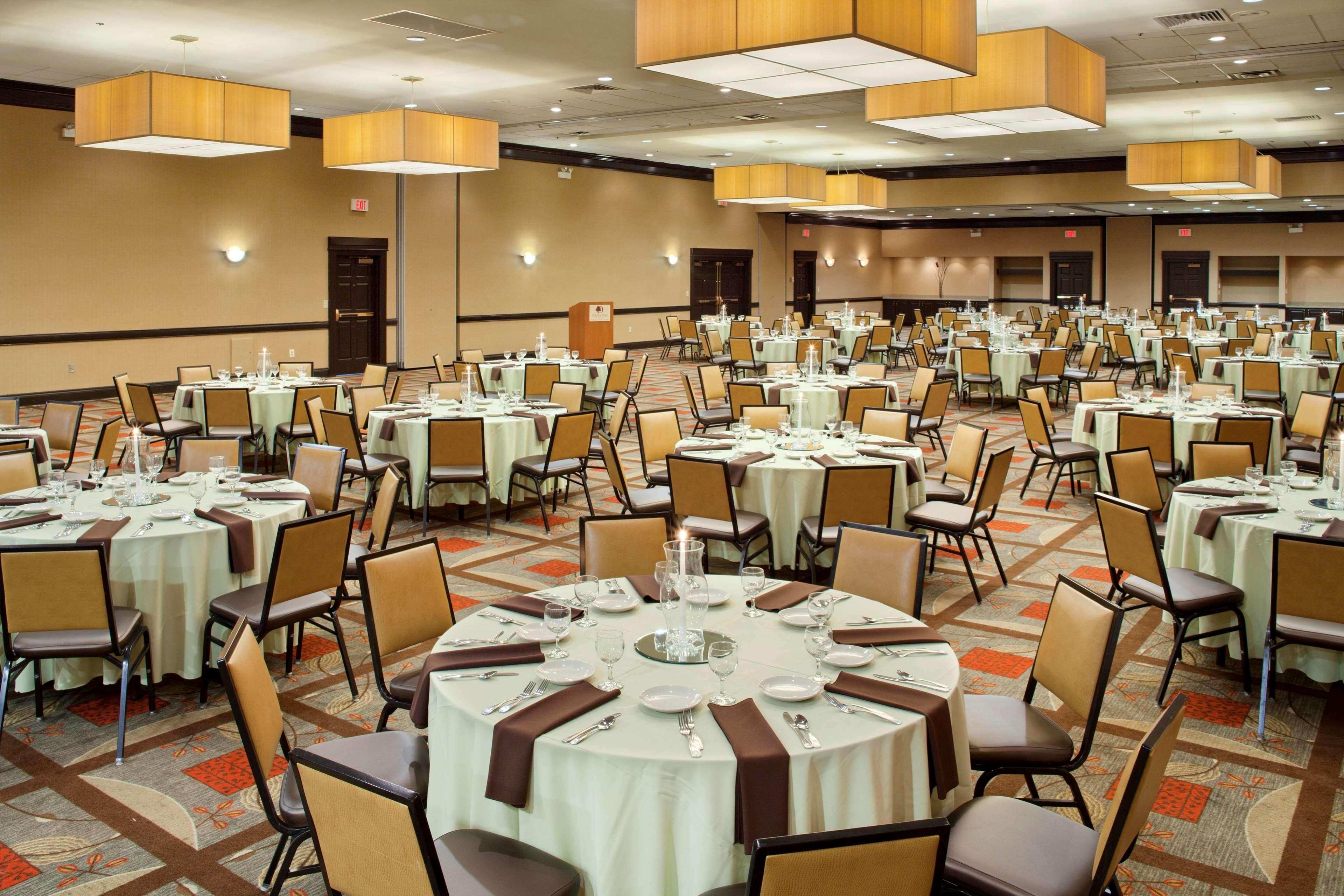 Doubletree Worthington Ohio Restaurants