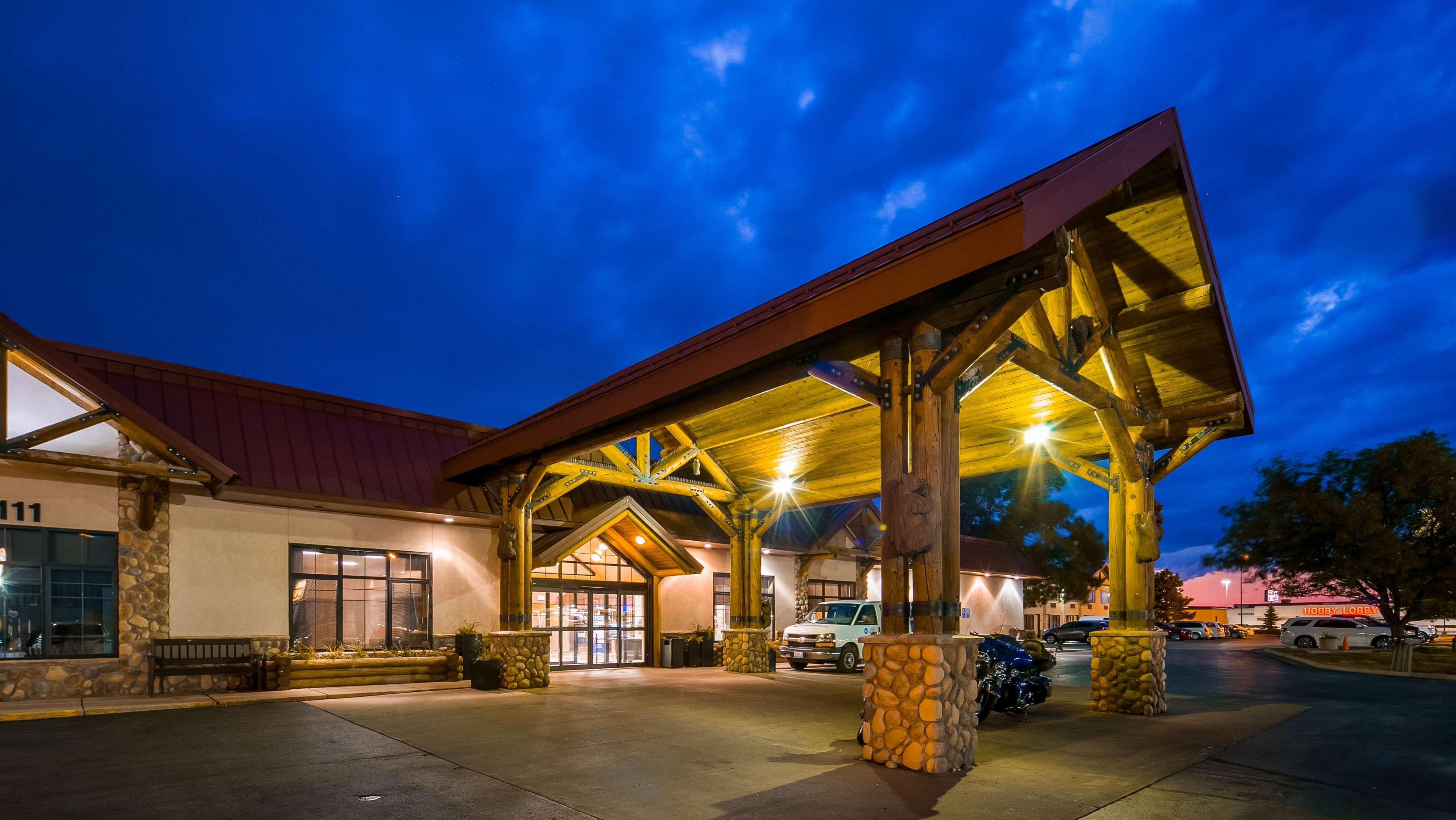 Ramkota Hotel Rapid City Stores