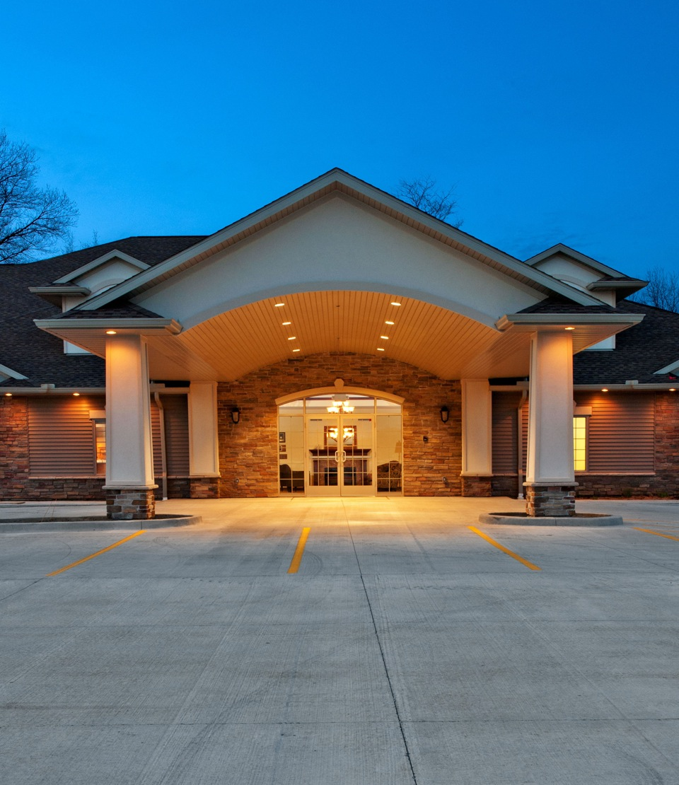 Henderson funeral home and crematory in pekin il 61554 for Henderson house