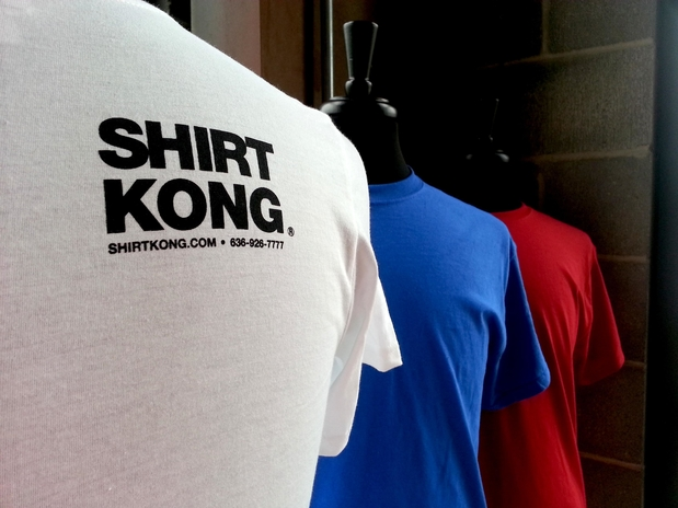 Shirt kong in st peters mo 63304 citysearch for T shirt printing st charles mo