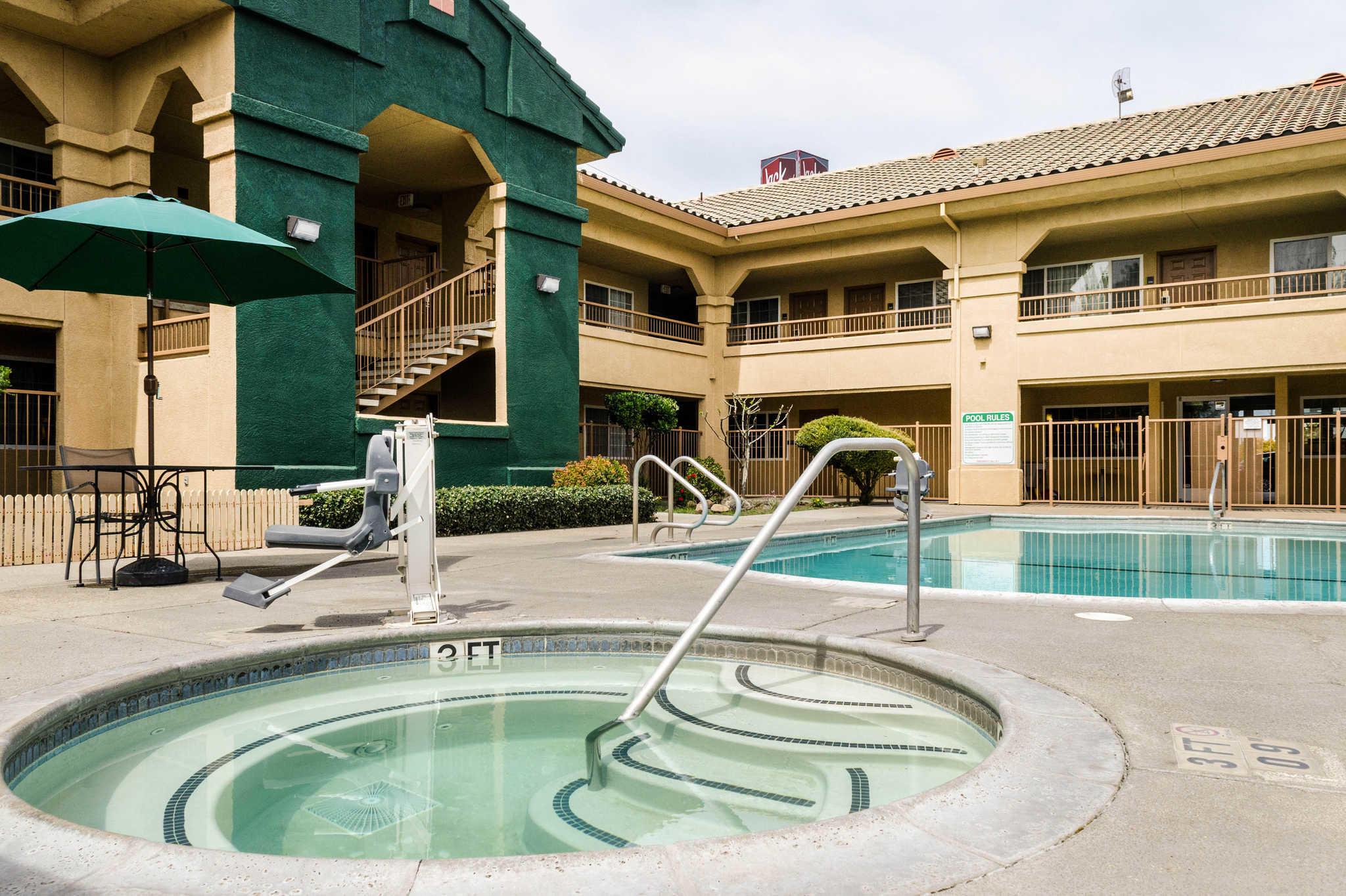 Quality Inn Amp Suites Lathrop Lathrop California Ca
