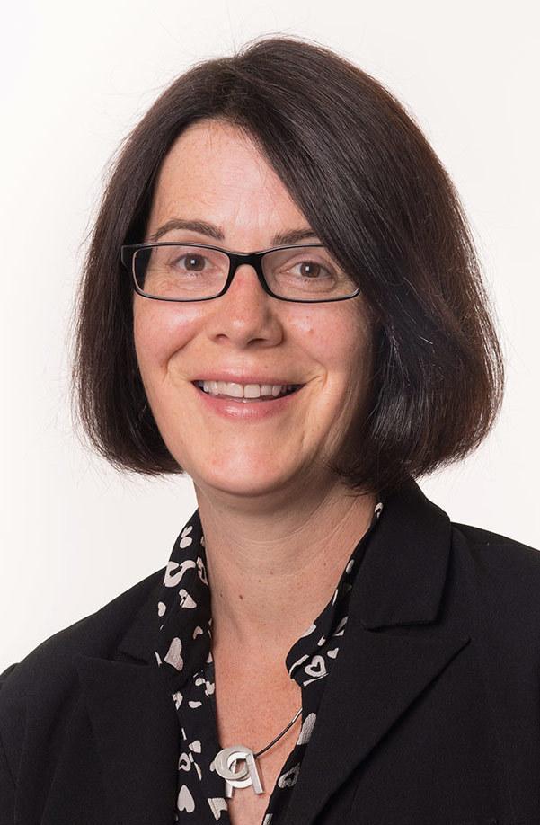 Nicole Hanka-Bessinger, Selbstständige Finanzberaterin für die Deutsche Bank