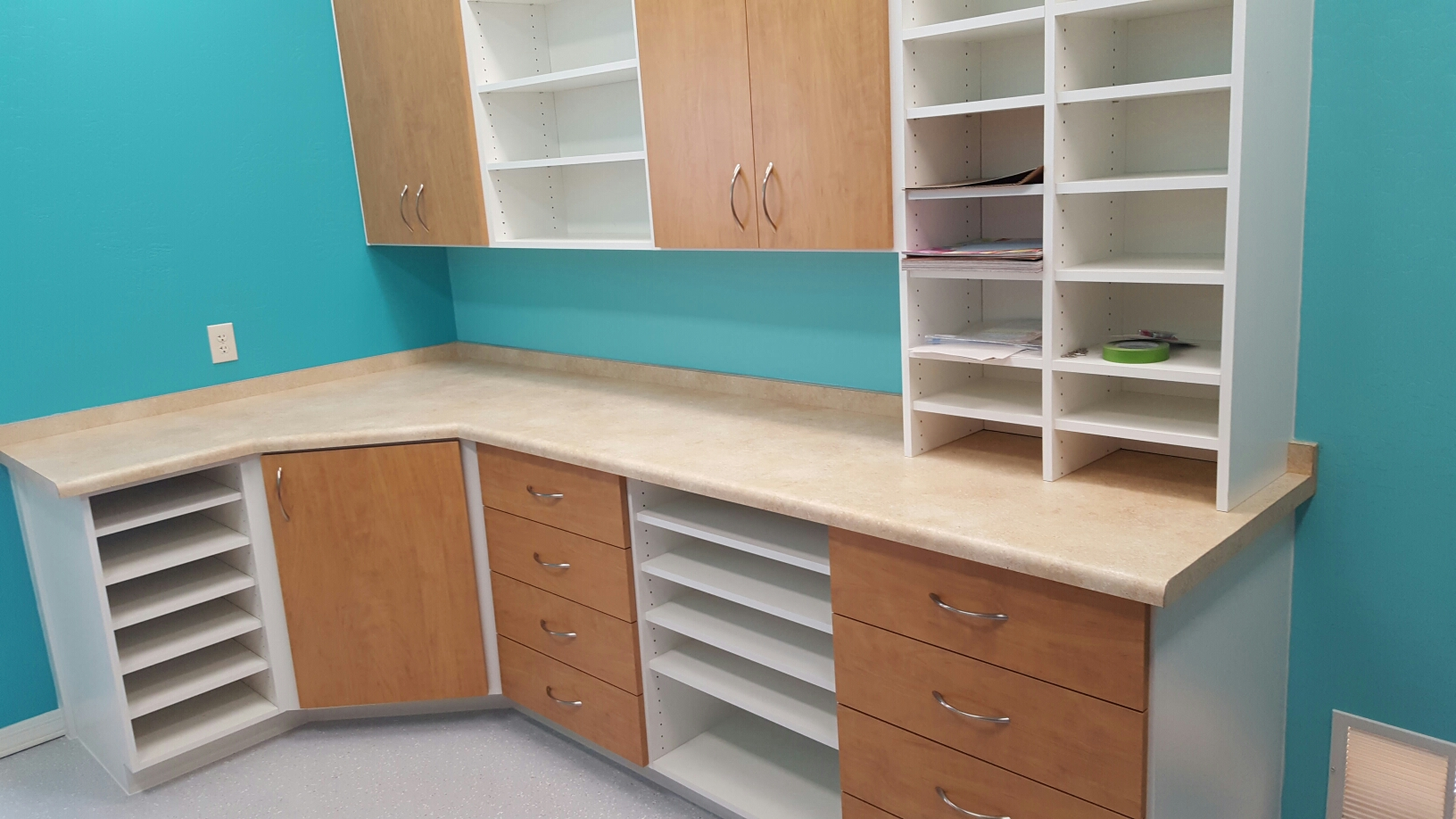 Space solutions garage cabinets custom closets phoenix for Craft stores in phoenix